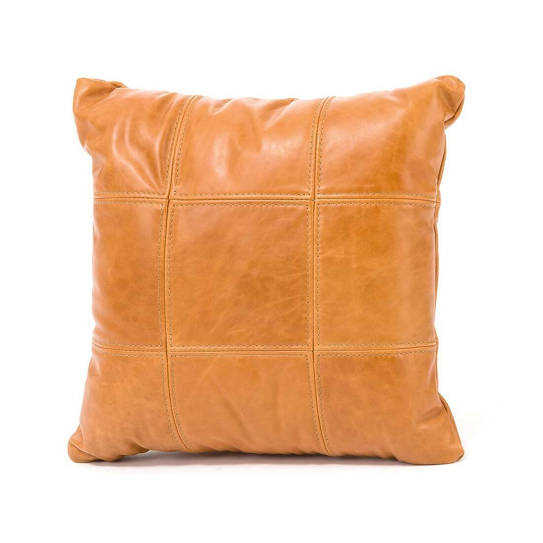 Подушка GridsДекоративные подушки<br>Дизайнерская подушка Grids (Гридс) из кожи от Cosmo (Космо).<br><br> Дизайнерская подушка Grids — это как раз то, что нужно для дополнения и украшения домашнего интерьера и придания ему полноценного и законченного вида. Дизайнеры создавали это изделие не только для украшения, но и для комфортного использования — подушка достаточно мягкая и прекрасно подойдет для использования на диване или кресле или даже на полу во время пижамных вечеринок или вечерних посиделок всей семьи.<br><br><br> Подушка изгот...<br><br>stock: 3<br>Высота: 48<br>Ширина: 48<br>Цвет: Кожа карамельная/Caramel Waxy