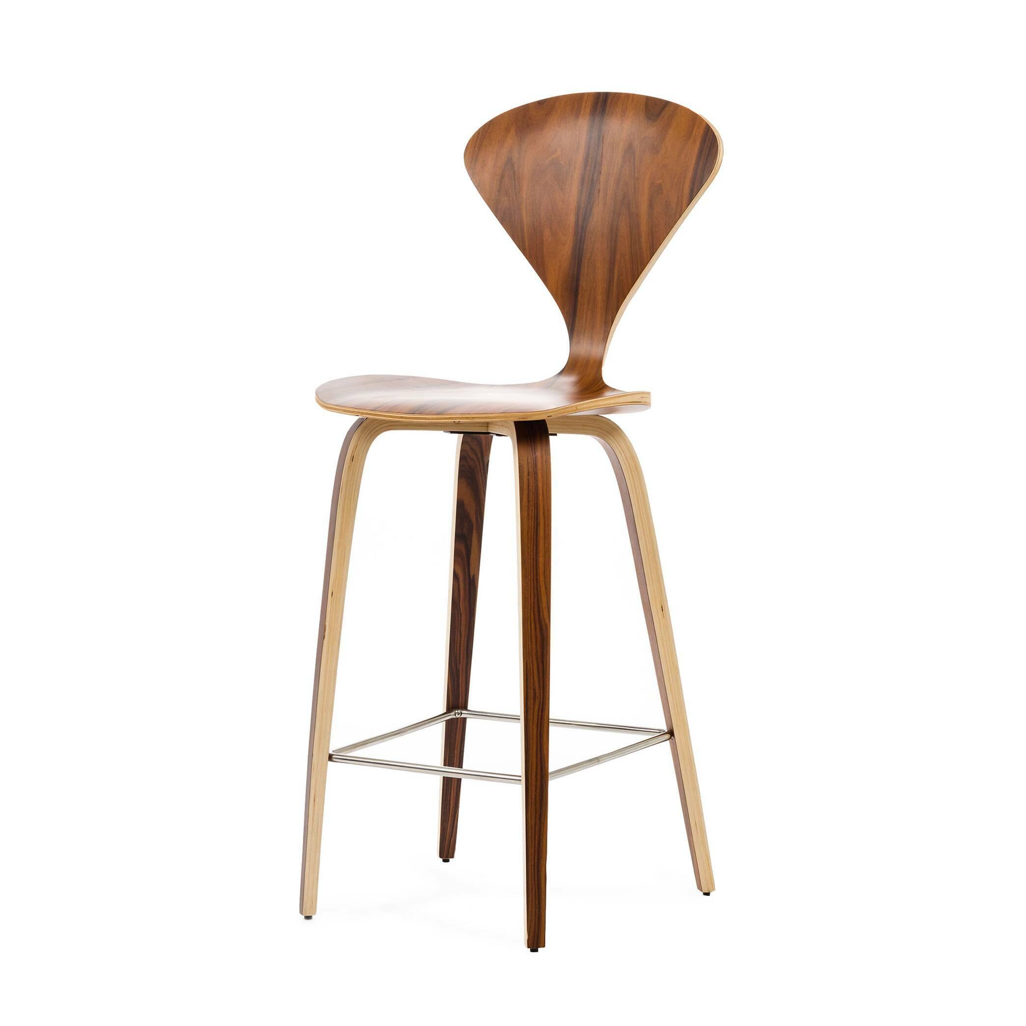 Барный стул Cherner высота 110Барные<br>Дизайнерский деревянный коричневый барный стул Cherner (Чернер) с узкой спинкой от Cosmo (Космо). <br><br> Барный стул Cherner высота 110 — это великолепный деревянный барный стул 1958 года по-настоящему инновационного дизайна Нормана Чернера. Барный стул Cherner — прекрасный союз комфорта, новизны и стиля. Американский дизайнер Норман Чернер известен в мире дизайна прежде всего благодаря коллекции стульев Cherner. Их особенная форма, безупречные линии и необычный дизайн не выходят из моды уже до...<br><br>stock: 0<br>Высота: 110<br>Высота сиденья: 72,5<br>Ширина: 47<br>Глубина: 54<br>Материал каркаса: Фанера, шпон розового дерева<br>Тип материала каркаса: Дерево<br>Цвет каркаса: Коричневый