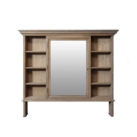 Зеркало Хуго  (FD8919-1)Настенные<br>ROOMERS – это особенная коллекция, воплощение всего самого лучшего, модного и новаторского в мире дизайнерской мебели, предметов декора и стильных аксессуаров.<br>Интерьерные решения от ROOMERS – всегда актуальны, более того, они - на острие моды. Коллекции ROOMERS тщательно отбираются и обновляются дважды в год специально для вас.<br><br>stock: 1<br>Высота: 132<br>Ширина: 22<br>Материал: массив дуба, стекло<br>Цвет: natural oak<br>Длина: 150<br>Ширина: 22<br>Высота: 132<br>Длина: 150