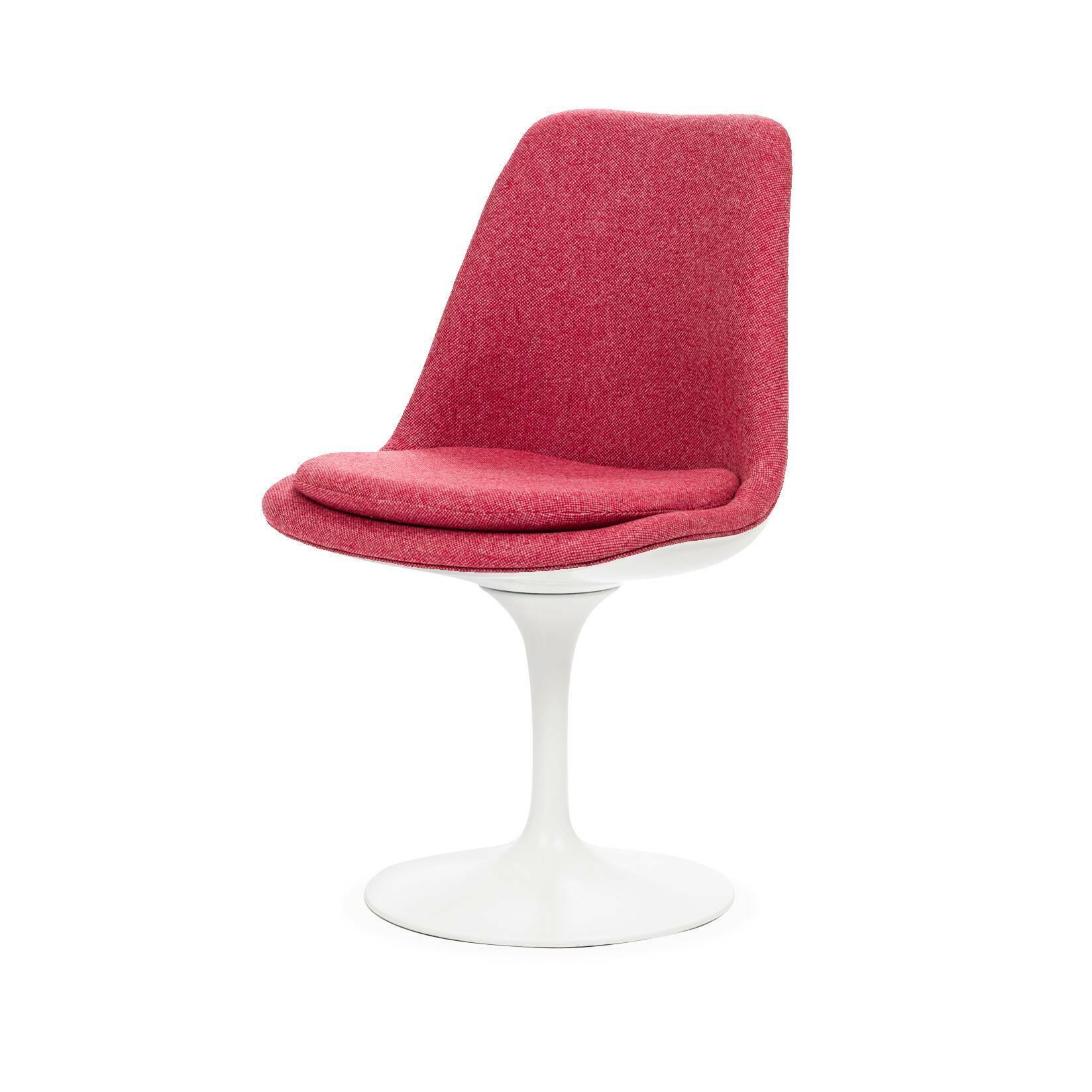 Стул Tulip с обитой спинкойИнтерьерные<br>Дизайнерский тканевый стул Tulip (Тьюлип) с обитой спинкой и с каркасом из стекловолокна от Cosmo (Космо).<br><br><br> Стул Tulip — это один из самых знаменитых предметов мебели, он был разработан в 1958 году Ээро Саариненом. Поистине футуристический дизайн и классика модерна. Первый в мире одноногий стул изменил будущее дизайна мебели. Формой стул напоминает бокал или, как видно из названия, — тюльпан. Уникальное основание постамента обеспечивает устойчивость и выглядит эстетически привлекательным...<br><br>stock: 0<br>Высота: 82,5<br>Высота сиденья: 47<br>Ширина: 50,5<br>Глубина: 54,5<br>Тип материала каркаса: Стекловолокно<br>Материал сидения: Шерсть, Нейлон<br>Цвет сидения: Розовый<br>Тип материала сидения: Ткань<br>Коллекция ткани: B Fabric<br>Цвет каркаса: Белый глянец
