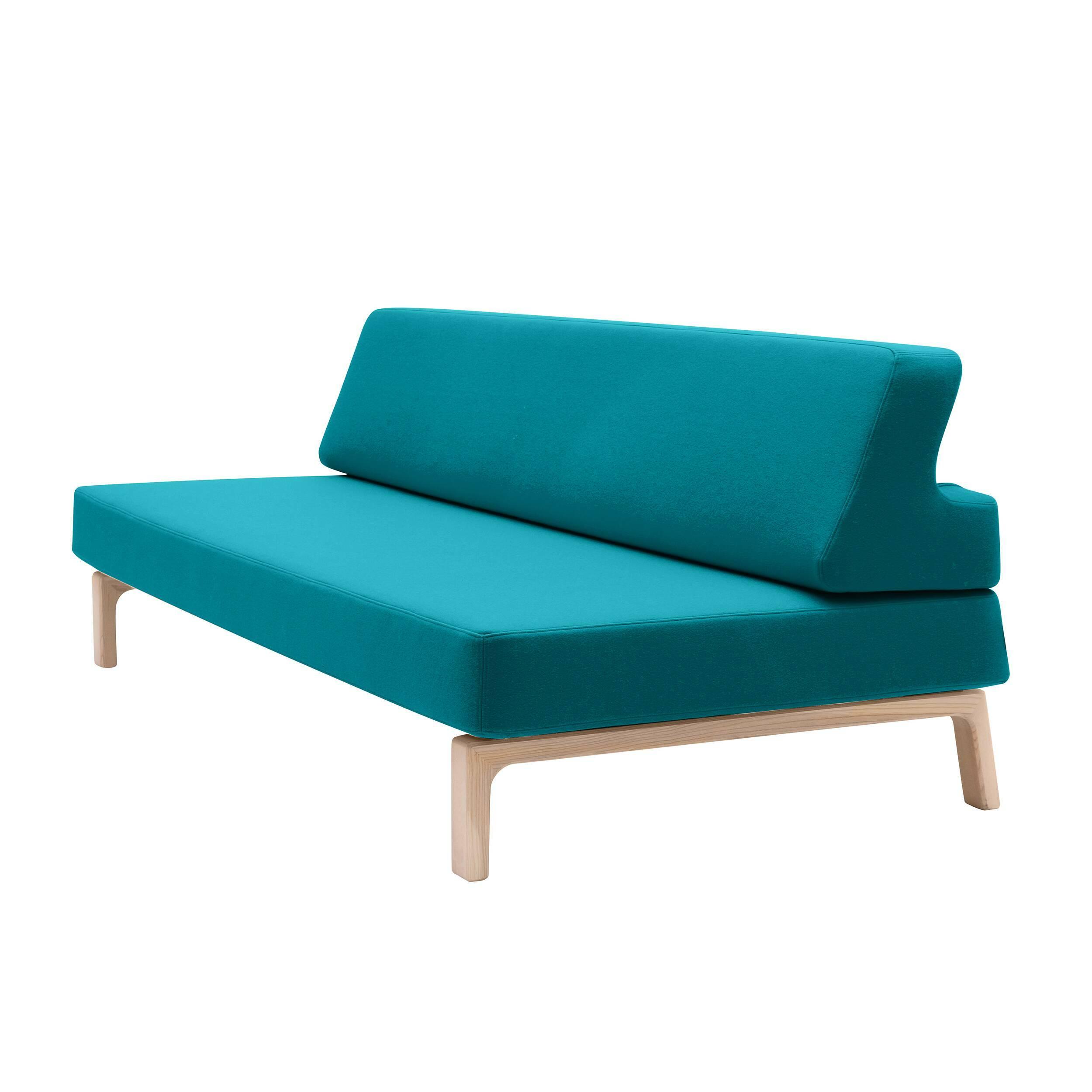Диван LazyРаскладные<br>Дизайнерский диван Lazy выполнен в очень простой и понятной манере. Диван обладает лаконичной формой и отличается отсутствием лишних деталей и декора. Изюминкой дивана являются его высокие ножки и небесно-голубой цвет. В сочетании эти два фактора дают эффект воздушности и легкости, что, в свою очередь, придает интерьеру больше свежести и визуально увеличивает пространство.<br><br><br> Главная фишка дивана — его раскладной механизм. Нужно лишь откинуть назад спинку, и удобная кровать готова! Эт...<br><br>stock: 0<br>Высота: 77<br>Высота сиденья: 38<br>Глубина: 144<br>Длина: 199<br>Цвет ножек: Светло-коричневый<br>Механизмы: Раскладной<br>Материал ножек: Массив ясеня<br>Материал обивки: Шерсть, Полиамид<br>Коллекция ткани: Felt<br>Тип материала обивки: Ткань<br>Тип материала ножек: Дерево<br>Размер спального места (см): 199х131<br>Цвет обивки: Бирюзовый