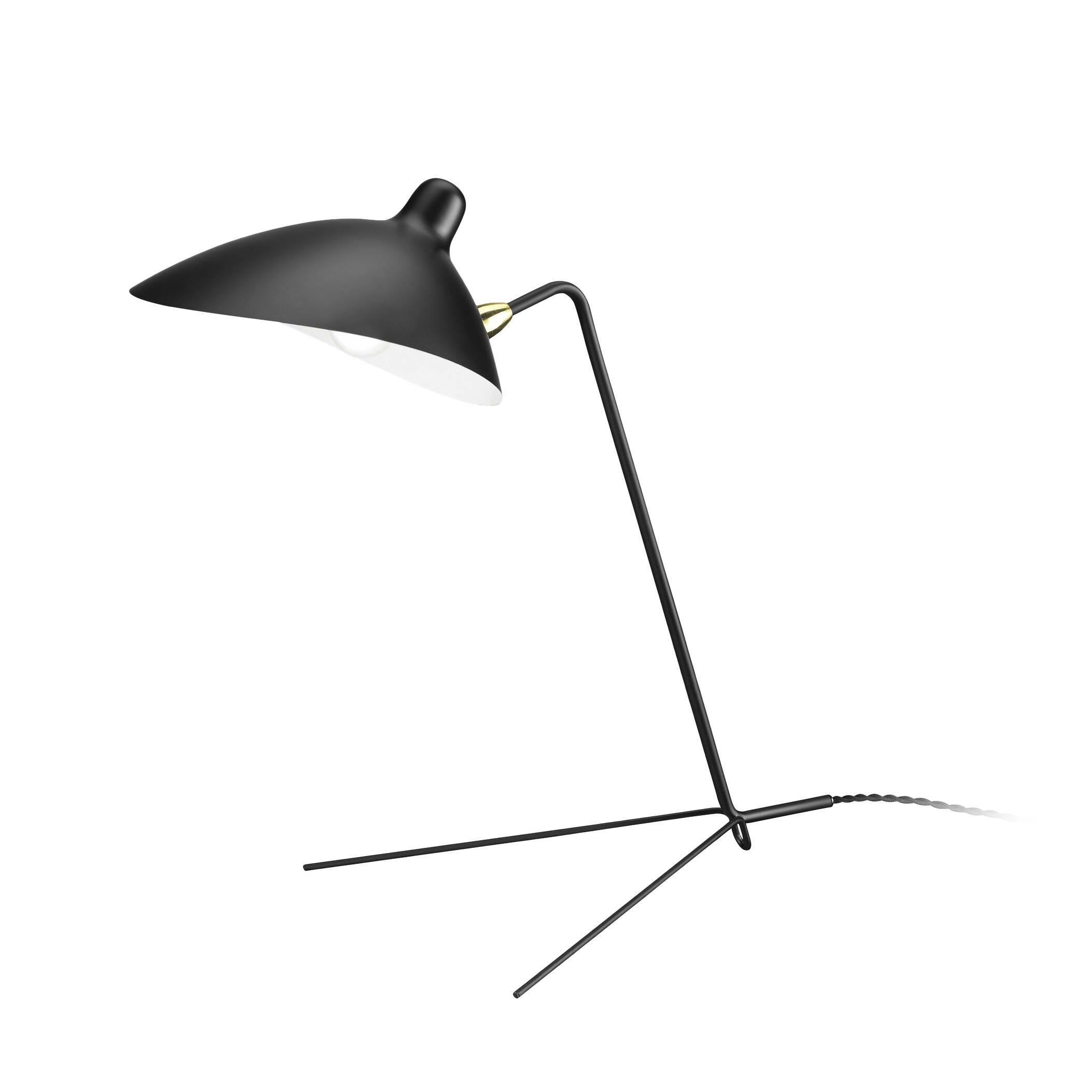 Настольный светильник CasquetteНастольные<br>Творения известного дизайнера Сержа Муя словно живые, они создают ощущение движения в пространстве, оживляют окружающий их интерьер, придают ему особую энергию и стиль. Настольный светильник Casquette — это одна из наиболее известных его работ. Изделие похоже на функционального насекомоподобного робота, который призван помогать нам в быту.<br><br><br> Такое ощущение во многом вызвано оригинальной конструкцией ножки-опоры светильника, похожей на лапки или усики. Эта опора изготовлена из прочной...<br><br>stock: 0<br>Высота: 49<br>Ширина: 36<br>Длина: 51<br>Доп. цвет абажура: Латунь<br>Количество ламп: 1<br>Материал абажура: Алюминий<br>Материал арматуры: Сталь<br>Мощность лампы: 75<br>Ламп в комплекте: Нет<br>Тип лампы/цоколь: E14<br>Цвет абажура: Черный<br>Цвет арматуры: Черный<br>Цвет провода: Черный