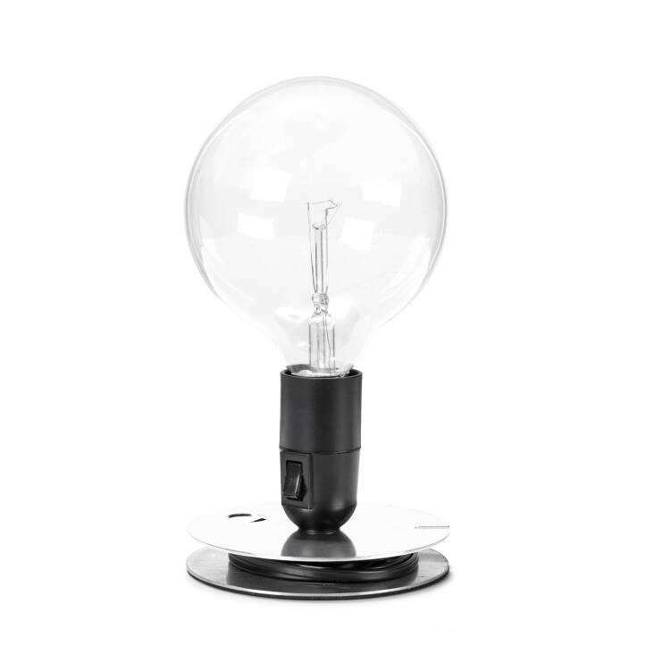 Настольный светильник Lampadina EBНастольные<br>Настольный светильник Lampadina EB спроектирован итальянским дизайнером Акилле Кастильони еще в 1972 году. В ее названии автор отразил гениальную лаконичность самого светильника. Lampadina с итальянского — просто «лампа». Все коротко и ясно! <br><br><br><br><br> Светильник выполнен в духе «сделай сам» (DIY — do it yourself), что в наших широтах понимается, как «самоделка». Такие лампы, будто вручную собранные из подручных материалов, идеально дополняют интерьеры в стиле лофт и техно. Именно эти сти...<br><br>stock: 0<br>Высота: 22,5<br>Диаметр: 12,5<br>Количество ламп: 1<br>Материал абажура: Алюминий<br>Материал арматуры: Алюминий<br>Мощность лампы: 40<br>Ламп в комплекте: Да<br>Цвет абажура: Черный<br>Цвет арматуры: Хром<br>Цвет провода: Черный