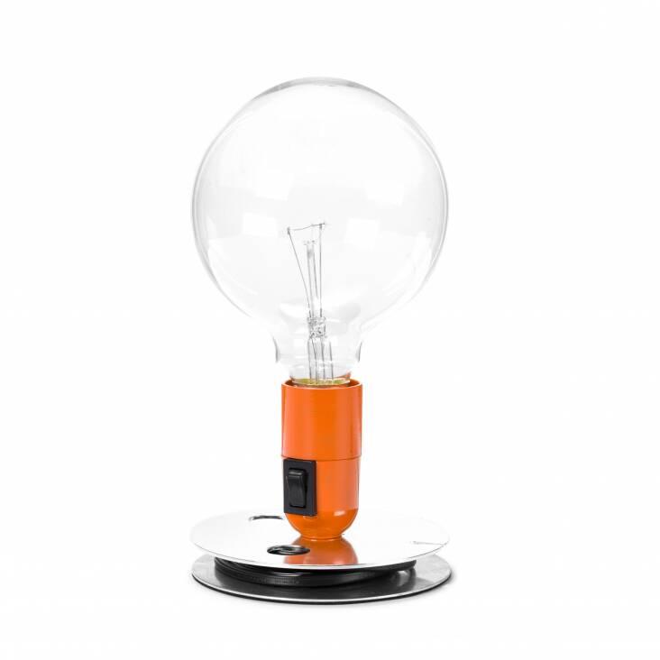 Настольный светильник Lampadina EBНастольные<br>Настольный светильник Lampadina EB спроектирован итальянским дизайнером Акилле Кастильони еще в 1972 году. В ее названии автор отразил гениальную лаконичность самого светильника. Lampadina с итальянского — просто «лампа». Все коротко и ясно! <br><br><br><br><br> Светильник выполнен в духе «сделай сам» (DIY — do it yourself), что в наших широтах понимается, как «самоделка». Такие лампы, будто вручную собранные из подручных материалов, идеально дополняют интерьеры в стиле лофт и техно. Именно эти сти...<br><br>stock: 0<br>Высота: 22,5<br>Диаметр: 12,5<br>Количество ламп: 1<br>Материал абажура: Алюминий<br>Материал арматуры: Алюминий<br>Мощность лампы: 40<br>Ламп в комплекте: Да<br>Цвет абажура: Оранжевый<br>Цвет арматуры: Хром<br>Цвет провода: Черный