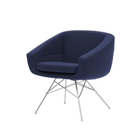 Кресло AikoИнтерьерные<br>Это стильное дизайнерское изделие отвечает всем запросам современного интерьерного дизайна: оно обладает легкой и оригинальной конструкцией, стильным цветовым решением, функциональностью и первоклассным комфортом. Кресло Aiko имеет очень удобную форму, которая позволяет расслабить спину и ноги, что особенно актуально во время или после рабочего дня. Дизайн изделия впечатляет красивой конструкцией ножек и привлекательными цветами.<br><br><br> Обивка кресла изготовлена из прочной, высококачестве...<br><br>stock: 0<br>Высота: 70<br>Высота сиденья: 45<br>Ширина: 64<br>Глубина: 58<br>Цвет ножек: Хром<br>Тип материала обивки: Ткань<br>Тип материала ножек: Металл<br>Цвет обивки: Тёмно-синий