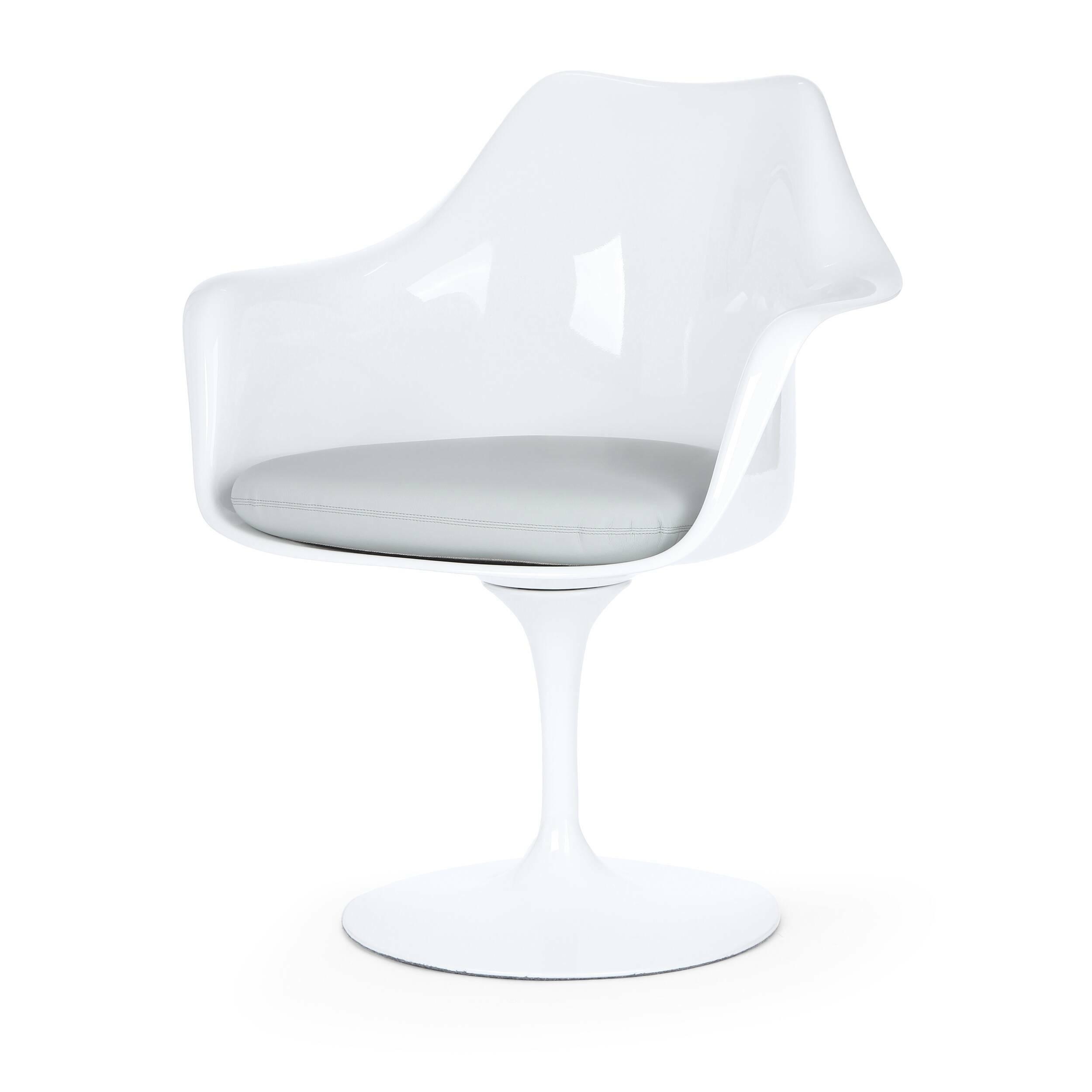 Cтул Tulip с подлокотниками и мягкой подушкойИнтерьерные<br>Дизайнерский мягкий стул Tulip (Тулип) с подлокотниками и мягкой подушкой из стекловолокна на глянцевой ножке с кожаным сиденьем от Cosmo (Космо).<br><br>     Свои основные идеи финн Ээро Сааринен черпал в аскетичном подходе к дизайну, воплощая их в наиболее эффективных конструкционных решениях. «Решение любой дизайнерской задачи нужно искать в следующей, более крупной вещи, — утверждал Сааринен. — Если загвоздка в стуле, мы должны смотреть на то, как он соотносится с комнатой». Именно в стуле Tu...<br><br>stock: 3<br>Высота: 80,5<br>Высота сиденья: 47<br>Ширина: 66<br>Глубина: 58<br>Цвет ножек: Белый матовый<br>Тип материала каркаса: Стекловолокно<br>Материал сидения: Кожа искусственная<br>Цвет сидения: Серый<br>Тип материала сидения: Полиуретан<br>Коллекция ткани: Premium Grade PU<br>Тип материала ножек: Алюминий<br>Цвет каркаса: Белый матовый
