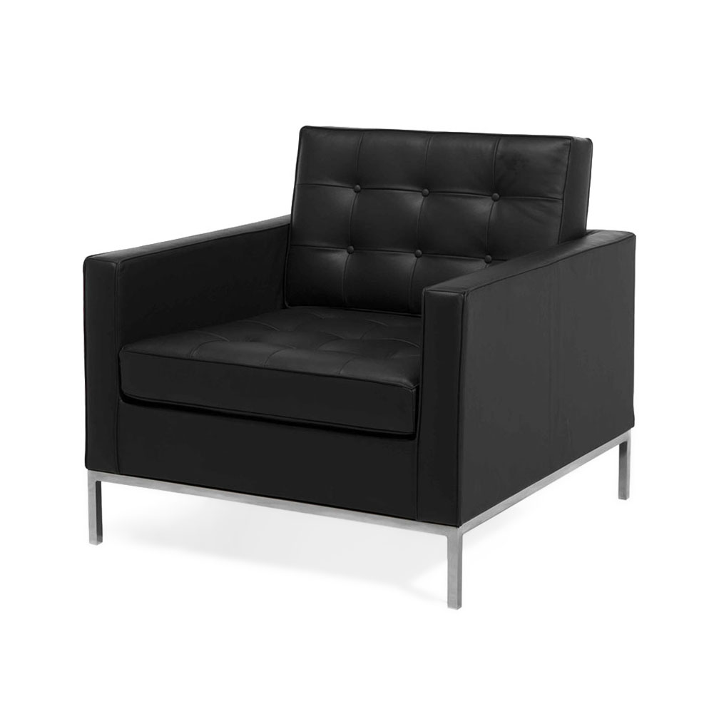 Кресло LeoИнтерьерные<br>Строгие классические кресла всегда отличались особым комфортом, стилем и настроением. Дизайнерское кресло Leo – это результат работы настоящего мастера. Удобная форма длинных подлокотников, роскошное широкое сиденье и спинка, искусная каретная стяжка с изящными пуговками, строгая форма и четкие линии – все в этой модели говорит о тщательной и продуманной работе.<br><br><br> И разумеется, кресло Leo является результатом сочетания лучших материалов. Натуральная черная кожа – это классика, которая ...<br><br>stock: 0<br>Высота: 77<br>Высота сиденья: 42<br>Ширина: 81<br>Глубина: 82<br>Цвет ножек: Хром<br>Коллекция ткани: Standart Leather<br>Тип материала обивки: Кожа<br>Тип материала ножек: Сталь<br>Цвет обивки: Черный