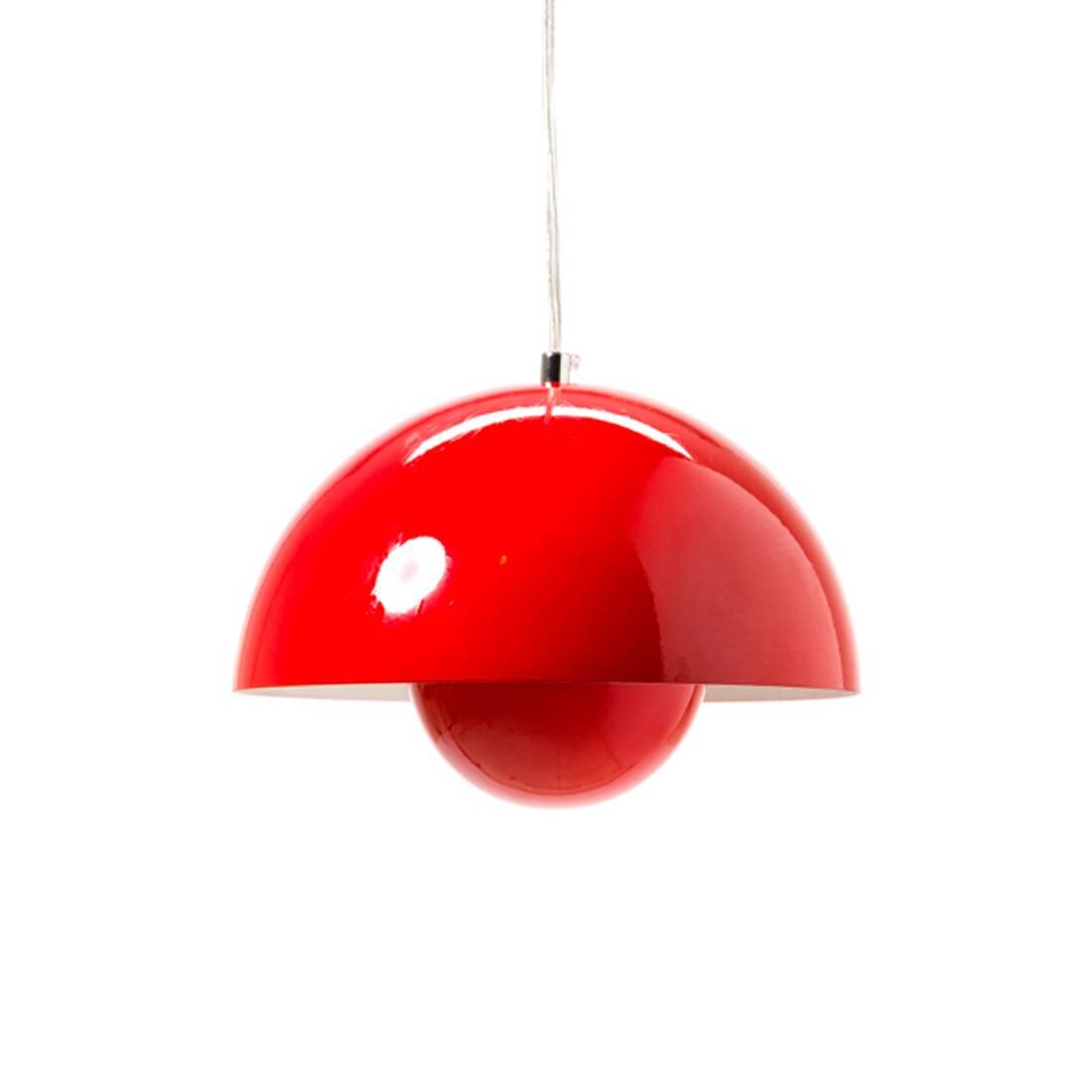 Подвесной светильник Flower Pot диаметр 38Подвесные<br>Из всех произведений Вернера Пантона цветные подвесные светильники Flower Pot диаметр 38 выделяются невероятно простым и в то же время привлекательным дизайном. Плафон светильника состоит из двух полусфер, одна в другой, что делает его похожим на детскую игрушку — с одной стороны. С другой — гармоничная форма смотрится очень стильно, особенно если вы выберете черный или белый вариант.<br><br><br> Дизайн светильника от знаменитого Вернера Пантона родился в 1968 году, в эпоху активных эксперимен...<br><br>stock: 0<br>Высота: 180<br>Диаметр: 38<br>Количество ламп: 1<br>Материал абажура: Алюминий<br>Мощность лампы: 60<br>Ламп в комплекте: Нет<br>Напряжение: 220<br>Тип лампы/цоколь: E27<br>Цвет абажура: Красный