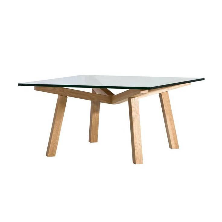 Кофейный стол Forte квадратный 90х90Кофейные столики<br>Кофейный стол Forte квадратный 90х90 – это яркий представитель легкого и просторного скандинавского стиля, где большое значение имеет игра света и яркие краски. Особенно важную роль в создании скандинавского интерьера играют элементы из светлого дерева. Американский дизайнер Шон Дикс, известный своими стильными и функциональными работами, постарался сделать Forte максимально удобным и подходящим именно для такого типа интерьера.<br><br><br> Кофейный стол Forte квадратный 90х90 изготовлен из высо...<br><br>stock: 0<br>Высота: 40<br>Ширина: 90<br>Длина: 90<br>Цвет ножек: Дуб<br>Цвет столешницы: Прозрачный<br>Материал ножек: Массив дуба<br>Тип материала столешницы: Стекло закаленное<br>Тип материала ножек: Дерево