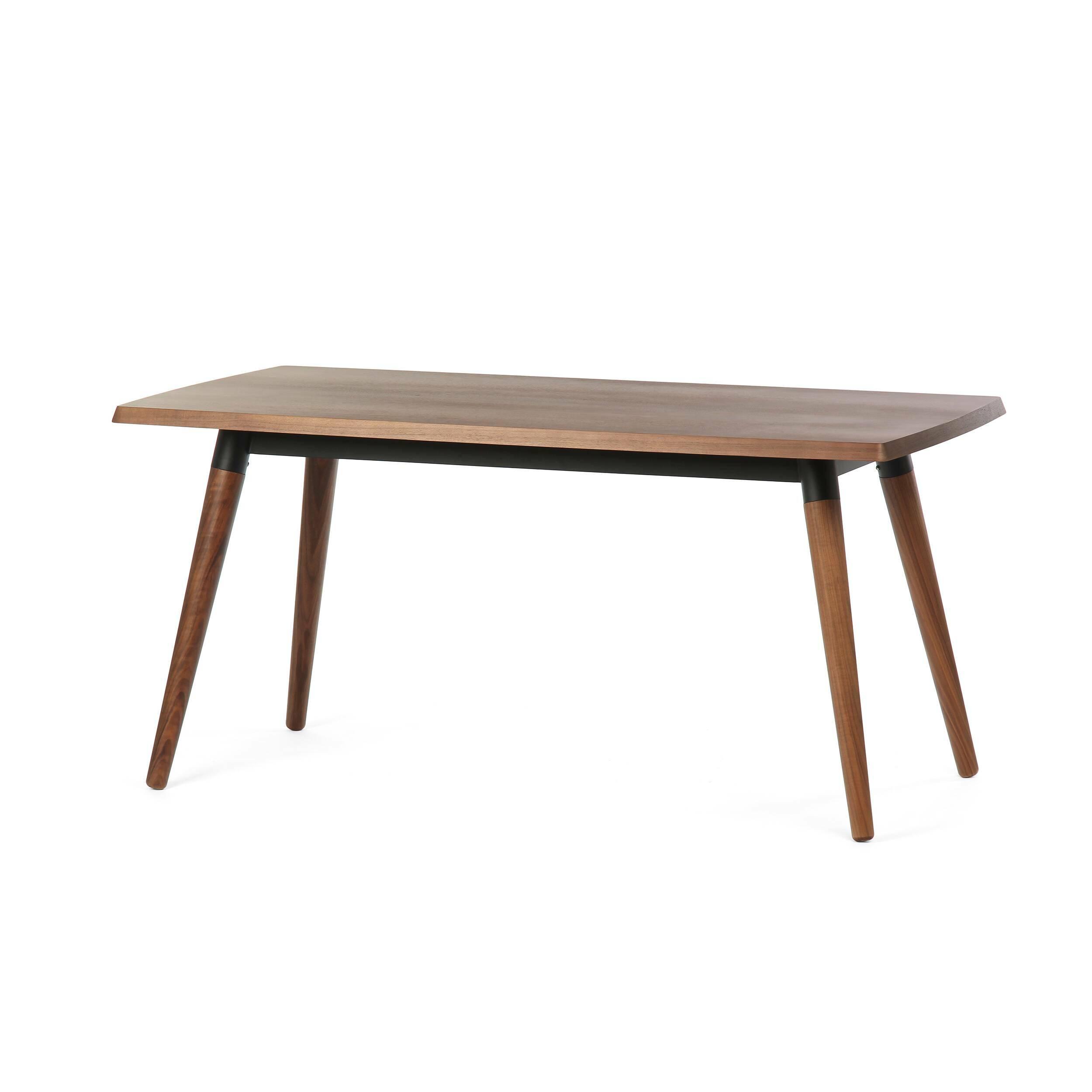 Обеденный стол Copine прямоугольный 160х85Обеденные<br>Обеденный стол Copine прямоугольный 160х85 выполнен в благородном темно-коричневом цвете. Лаконичный и функциональный дизайн был придуман популярным американским дизайнером Шоном Диксом. Шон Дикс много путешествовал и учился, и этот опыт всегда находит применение в его творчестве. Обеденный стол Copine выглядит очень стильно и отлично подойдет для классического элегантного интерьера.<br><br><br> Изделие сделано из качественных материалов. Столешница и ножки изготовлены из материала МДФ, который...<br><br>stock: 3<br>Высота: 75<br>Ширина: 85<br>Длина: 160<br>Цвет ножек: Орех американский<br>Цвет столешницы: Орех американский<br>Материал ножек: Массив ореха<br>Материал столешницы: МДФ, шпон ореха<br>Тип материала каркаса: Сталь<br>Тип материала столешницы: МДФ<br>Тип материала ножек: Дерево<br>Цвет каркаса: Черный
