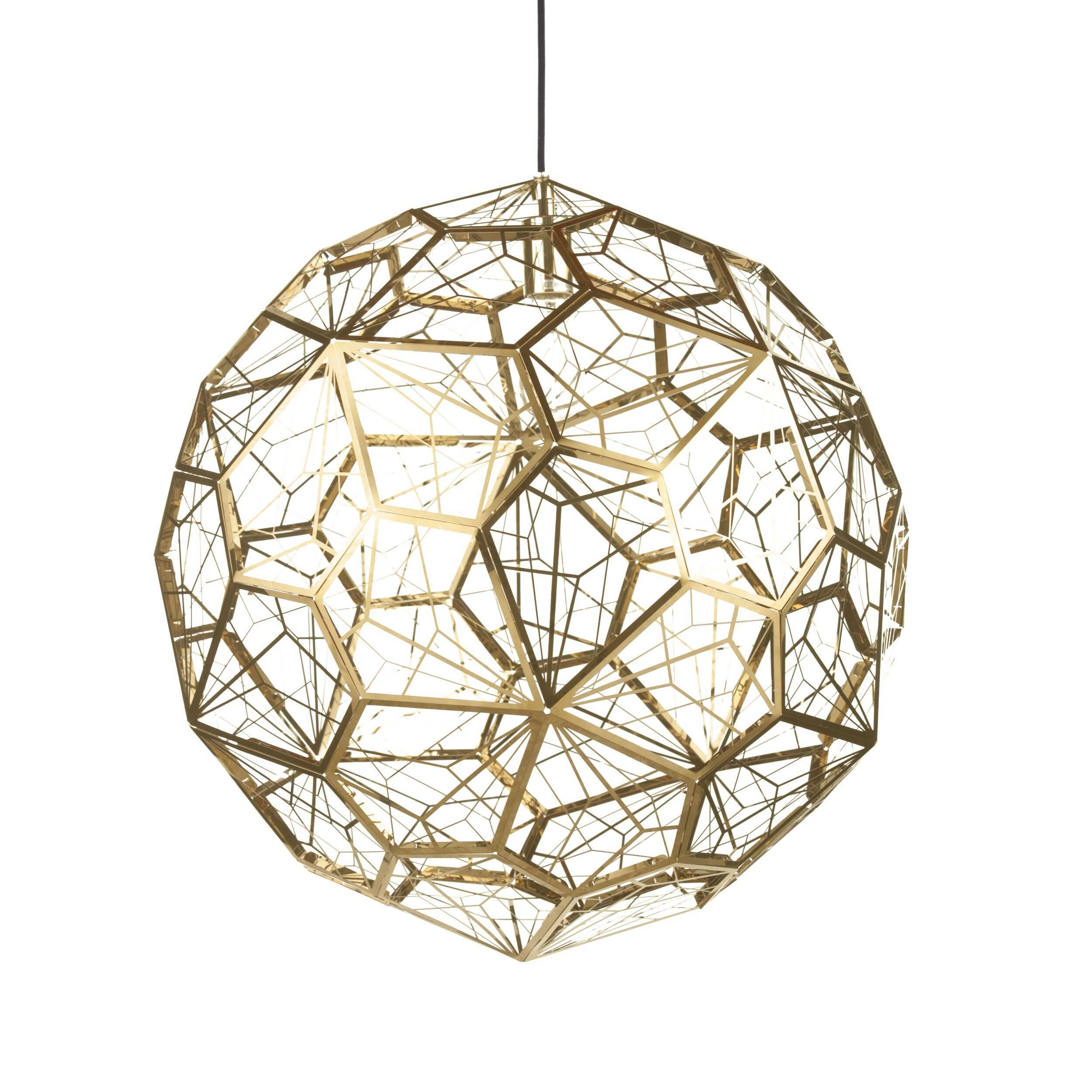 Подвесной светильник Etch Web диаметр 65Подвесные<br>ETCH WEB — это лампа необычной открытой структуры с большим абажуром размером 65 см, отбрасывающая угловатые, острые тени. Экспериментальная структура лампы представляет собой пятиугольник неправильной формы, который повторяется 60 раз вокруг центральной оси, создавая общую сферу.<br><br><br> Лампа в каком-то смысле представляет собой еще один эксперимент дизайнера. Светильник ETCH WEB выполнен из нержавеющей стали в золоте и хроме.<br><br>stock: 0<br>Высота: 180<br>Диаметр: 65<br>Количество ламп: 1<br>Материал абажура: Нержавеющая сталь<br>Мощность лампы: 60<br>Ламп в комплекте: Нет<br>Напряжение: 220<br>Тип лампы/цоколь: E27<br>Цвет абажура: Золотой