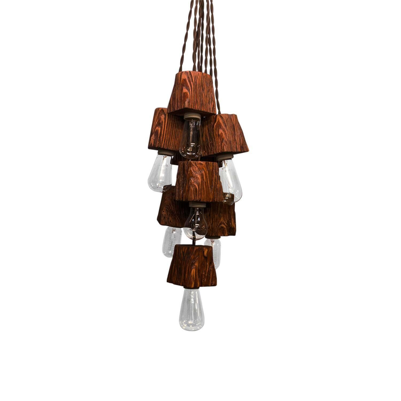 Подвесной светильник Querk 8Подвесные<br><br><br>stock: 0<br>Высота: 10<br>Ширина: 10<br>Длина: 10<br>Длина провода: 150<br>Количество ламп: 8<br>Материал абажура: Сосна<br>Мощность лампы: 40<br>Ламп в комплекте: Нет<br>Напряжение: 230<br>Тип лампы/цоколь: E27<br>Тип производства: Ручное производство<br>Цвет абажура: Махагон<br>Цвет провода: Коричневый