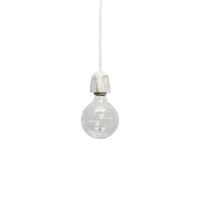 Подвесной светильник ZoccoloПодвесные<br><br><br>stock: 0<br>Диаметр: 10<br>Длина провода: 130<br>Количество ламп: 1<br>Материал абажура: Сосна<br>Мощность лампы: 40<br>Ламп в комплекте: Да<br>Напряжение: 230<br>Тип лампы/цоколь: E27<br>Тип производства: Ручное производство<br>Цвет абажура: Белый<br>Цвет провода: Белый