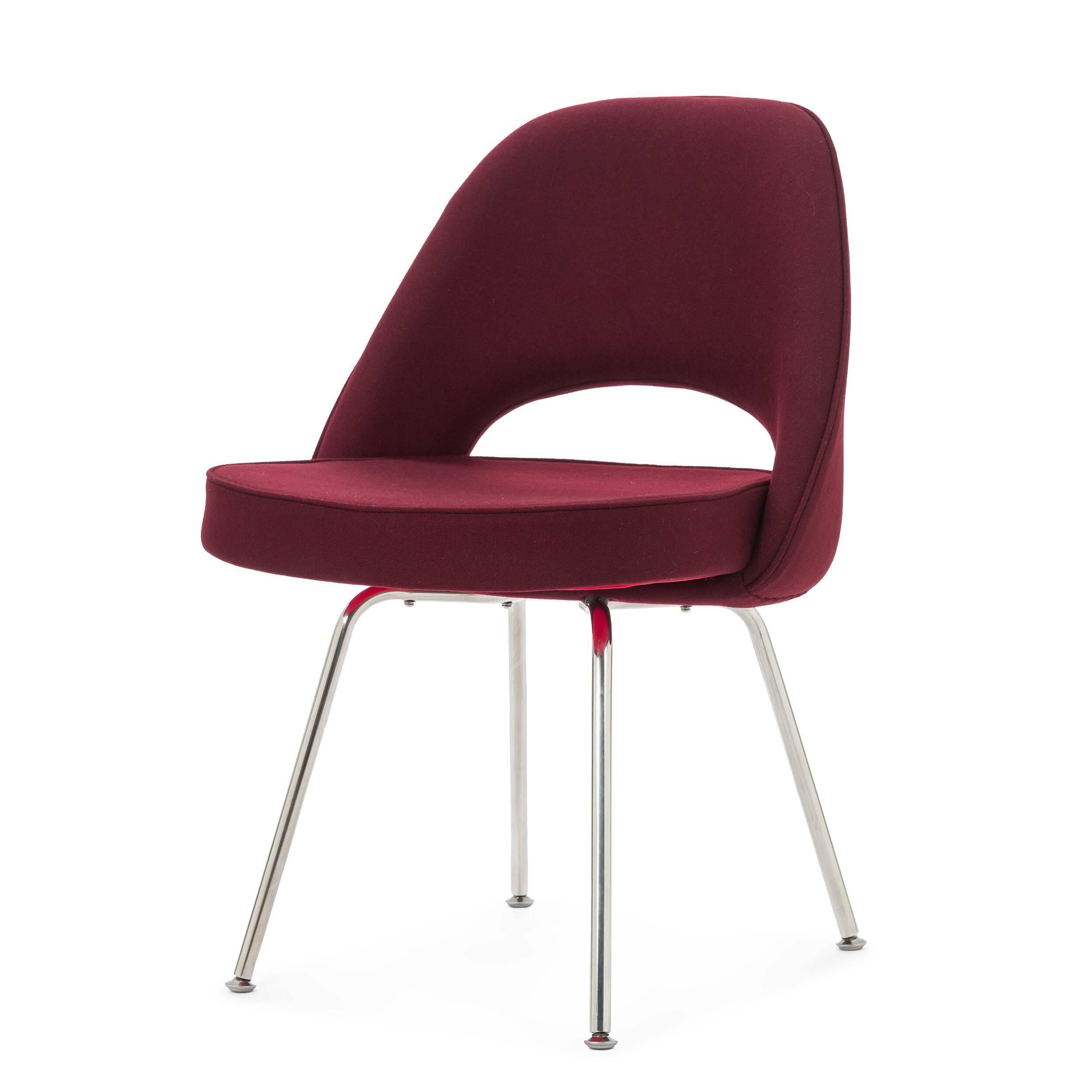 Кресло Side 2Интерьерные<br>Дизайнерское Яркое интерьерное кресло Side 2 (Сайд 2) с округлой спинкой на металлических ножках от Cosmo (Космо).<br><br><br> Модель кресла Side 2 от известного дизайнера Ээро Сааринена, разработанная в середине XX века, не потеряла своей актуальности и сейчас. Ээро был не только дизайнером, но и прекрасным архитектором, и именно поэтому все его изделия так продуманы и адаптированы для человека. Проекты великого мастера всегда отличаются своей эргономичностью, и кресло Side 2<br>не исключение. И...<br><br>stock: 0<br>Высота: 81<br>Высота сиденья: 49<br>Ширина: 57<br>Глубина: 55,5<br>Цвет ножек: Хром<br>Материал обивки: Шерсть, Нейлон<br>Коллекция ткани: T Fabric<br>Тип материала обивки: Ткань<br>Тип материала ножек: Сталь нержавеющая<br>Цвет обивки: Бургунди