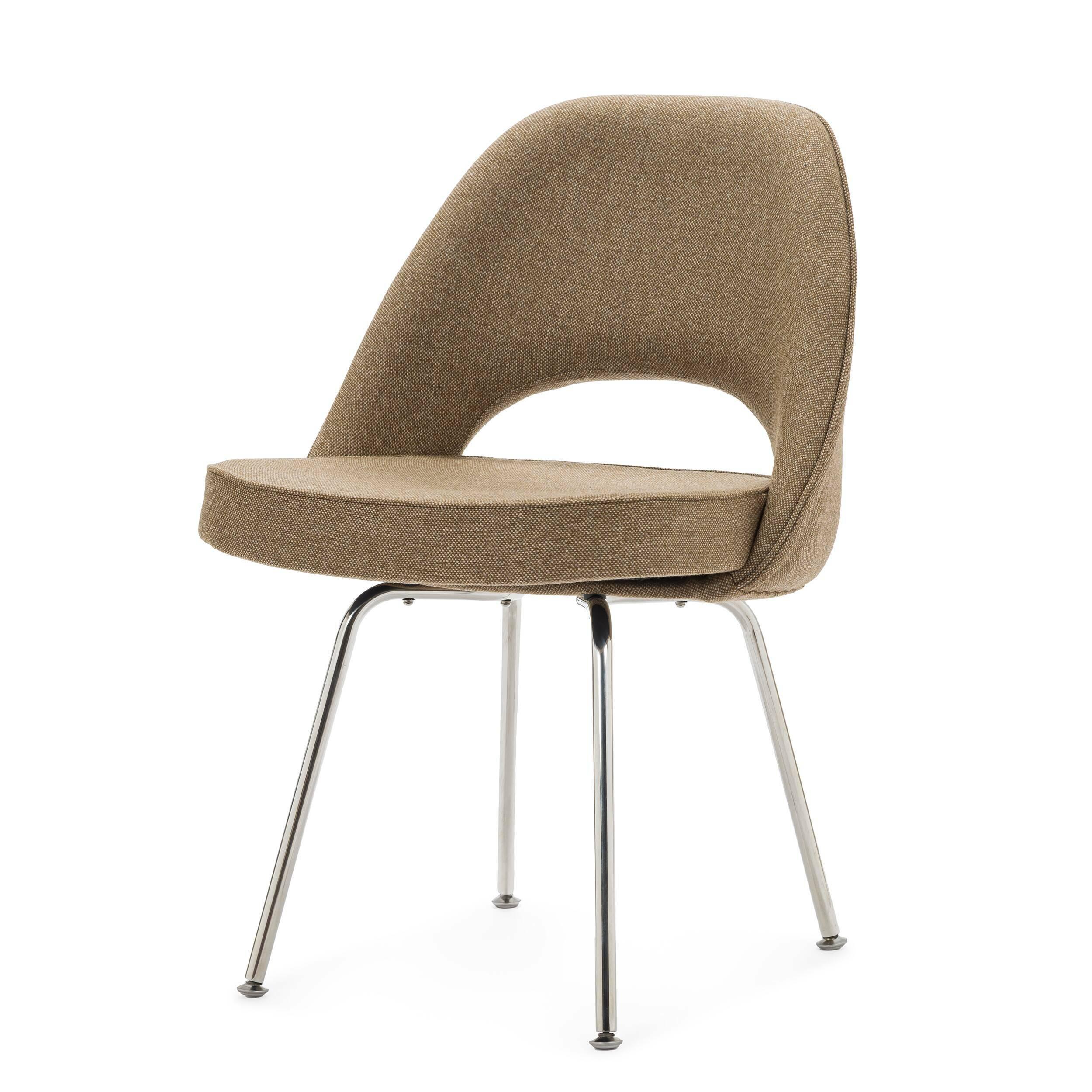 Кресло Side 2Интерьерные<br>Дизайнерское Яркое интерьерное кресло Side 2 (Сайд 2) с округлой спинкой на металлических ножках от Cosmo (Космо).<br><br><br> Модель кресла Side 2 от известного дизайнера Ээро Сааринена, разработанная в середине XX века, не потеряла своей актуальности и сейчас. Ээро был не только дизайнером, но и прекрасным архитектором, и именно поэтому все его изделия так продуманы и адаптированы для человека. Проекты великого мастера всегда отличаются своей эргономичностью, и кресло Side 2<br>не исключение. И...<br><br>stock: 0<br>Высота: 81<br>Высота сиденья: 49<br>Ширина: 57<br>Глубина: 55,5<br>Цвет ножек: Хром<br>Материал обивки: Шерсть, Нейлон<br>Коллекция ткани: B Fabric<br>Тип материала обивки: Ткань<br>Тип материала ножек: Сталь нержавеющая<br>Цвет обивки: Бежево-зеленый