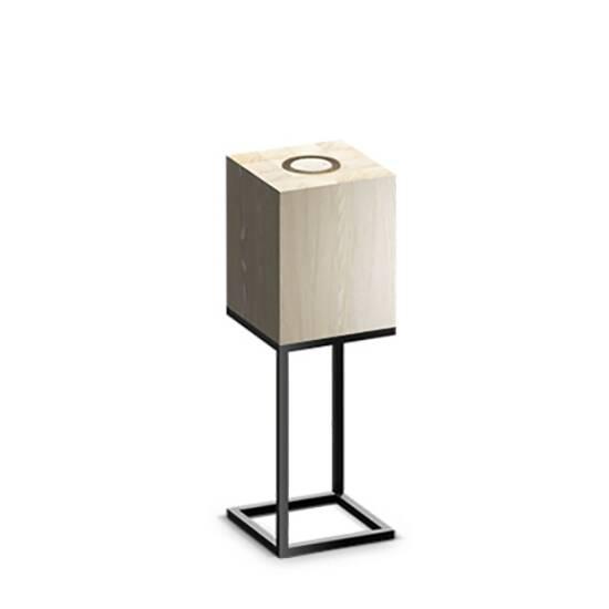 Настольный светильник Cubx M,OakНастольные<br>Настольный светильник Cubх M, Oak самый компактный светильник серии Cubx. Как и все светильники Handy, настольный светильник Cubх M, Oak оснащен светодиодами отличного качества, яркость которых можно варьировать от декоративной ночной подсветки до очень яркого источника дополнительного освещения. Управление яркостью осуществляется переносным деревянным пультом, который примагничивается к корпусу светильника в специальной нише сверху. Пульт можно достать и управлять светильником дистанционно (...<br><br>stock: 0<br>Высота: 60<br>Ширина: 20<br>Длина: 20<br>Длина провода: 300<br>Количество ламп: 1<br>Материал абажура: Дерево<br>Материал арматуры: Металл<br>Мощность лампы: 12<br>Ламп в комплекте: Да<br>Напряжение: 220<br>Степень защиты: 40<br>Теплота света: 3000<br>Тип лампы/цоколь: E27<br>Цвет абажура: Дуб<br>Цвет арматуры: Черный<br>Цвет провода: Черный
