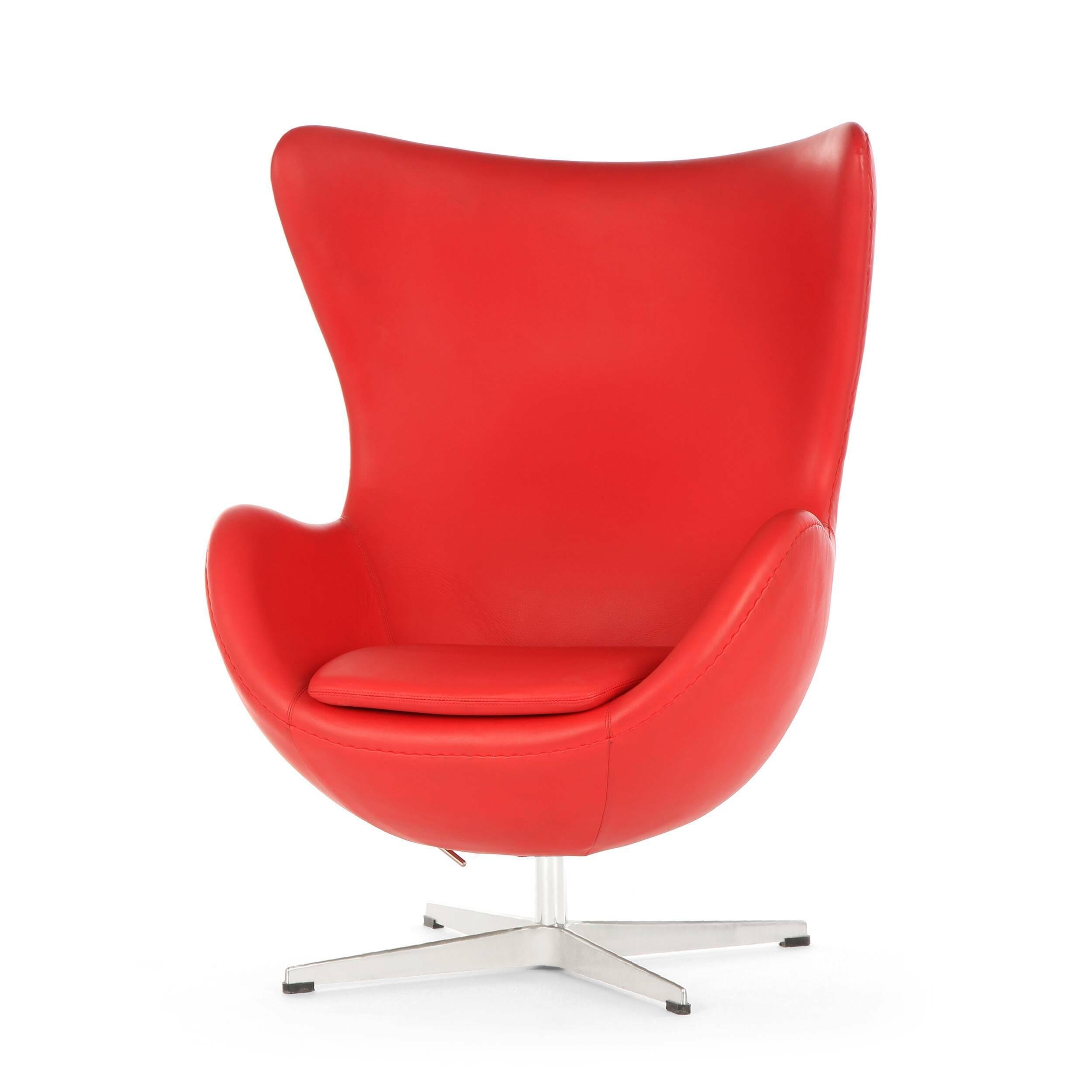 Кресло EggИнтерьерные<br>Дизайнерское комфортное кресло Egg (Эгг) в форме яйца на узкой ножке от Cosmo (Космо).<br><br><br> Кресло, своими очертаниями напоминающее яйцо, — одно из самых известных творений датского дизайнера Арне Якобсена. Вряд ли оно когда-нибудь выйдет из моды — уж слишком велик диапазон его интерьерных возможностей. Кроме того, обыгрывать данную форму помогают различные фактуры и цвета обивок.<br><br><br> Особенно приятно и солидно смотрится оригинальное кресло Egg в обивке из натуральной кожи, представлен...<br><br>stock: 0<br>Высота: 105,5<br>Высота сиденья: 41<br>Ширина: 87<br>Глубина: 82<br>Цвет ножек: Хром<br>Коллекция ткани: Standart Leather<br>Тип материала обивки: Кожа<br>Тип материала ножек: Алюминий<br>Цвет обивки: Красный