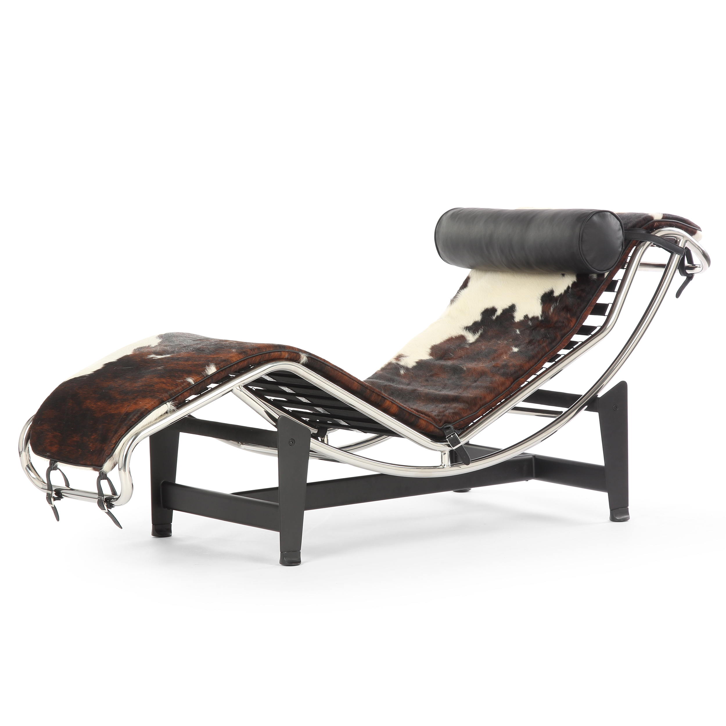 Кушетка LC4Кушетки<br>Карьера Ле Корбюзье насчитывает 85 лет, а его проекты являются одними из самых легко узнаваемых и уважаемых в мебельной промышленности. Один из них — кушетка LC4. Созданая Ле Корбюзье в 1928 году классическая кушетка для гостиной LC4 породила множество подражателей.<br><br><br> Мягкая подушка, обитая кожей, в сочетании с полированной хромированной сталью являет собой пример оригинального дизайна, сочетающего в себе комфорт с очаровательным минимализмом. Кушетка LC4 включена в постоянную коллек...<br><br>stock: 0<br>Высота: 81<br>Высота сиденья: 39<br>Ширина: 61<br>Глубина: 152<br>Цвет ножек: Черный<br>Цвет подушки: Черный<br>Материал каркаса: Сталь нержавеющая<br>Материал ножек: Сталь<br>Материал подушки: Кожа стандартная<br>Материал обивки: Шкура пони<br>Цвет обивки дополнительный: Черный<br>Цвет обивки: Коричневый с белым