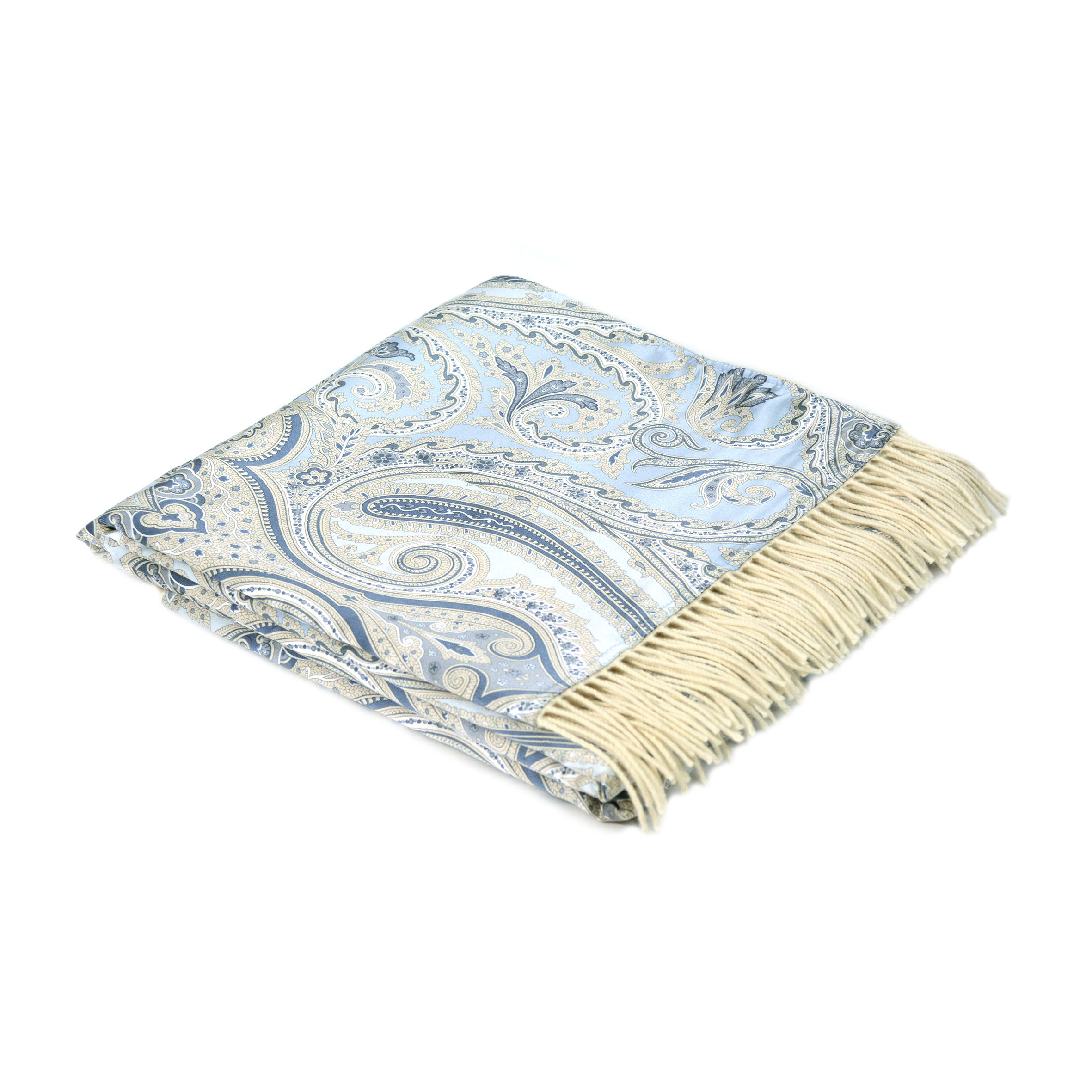 Плед Cristallo S2Разное<br>Плед Cristallo S2 от известного итальянского производителя Marzotto обладает красивым, легким дизайном. Изделие идеально подходит для летних вечерних посиделок на веранде или в патио, им приятно укрываться дома, сидя в кругу семьи.<br><br><br> Для создания текстиля Marzotto использует лучшее оборудование, что позволяет им ткать пледы высочайшего качества. С одной стороны плед Cristallo S2 соткан из тончайшего, удивительно приятного на ощупь шелка, а с другой состоит на 50% из кашемира и на стол...<br><br>stock: 0<br>Ширина: 130<br>Материал: Шелк<br>Цвет: Голубой<br>Длина: 180<br>Материал дополнительный: Кашемир, Шерсть