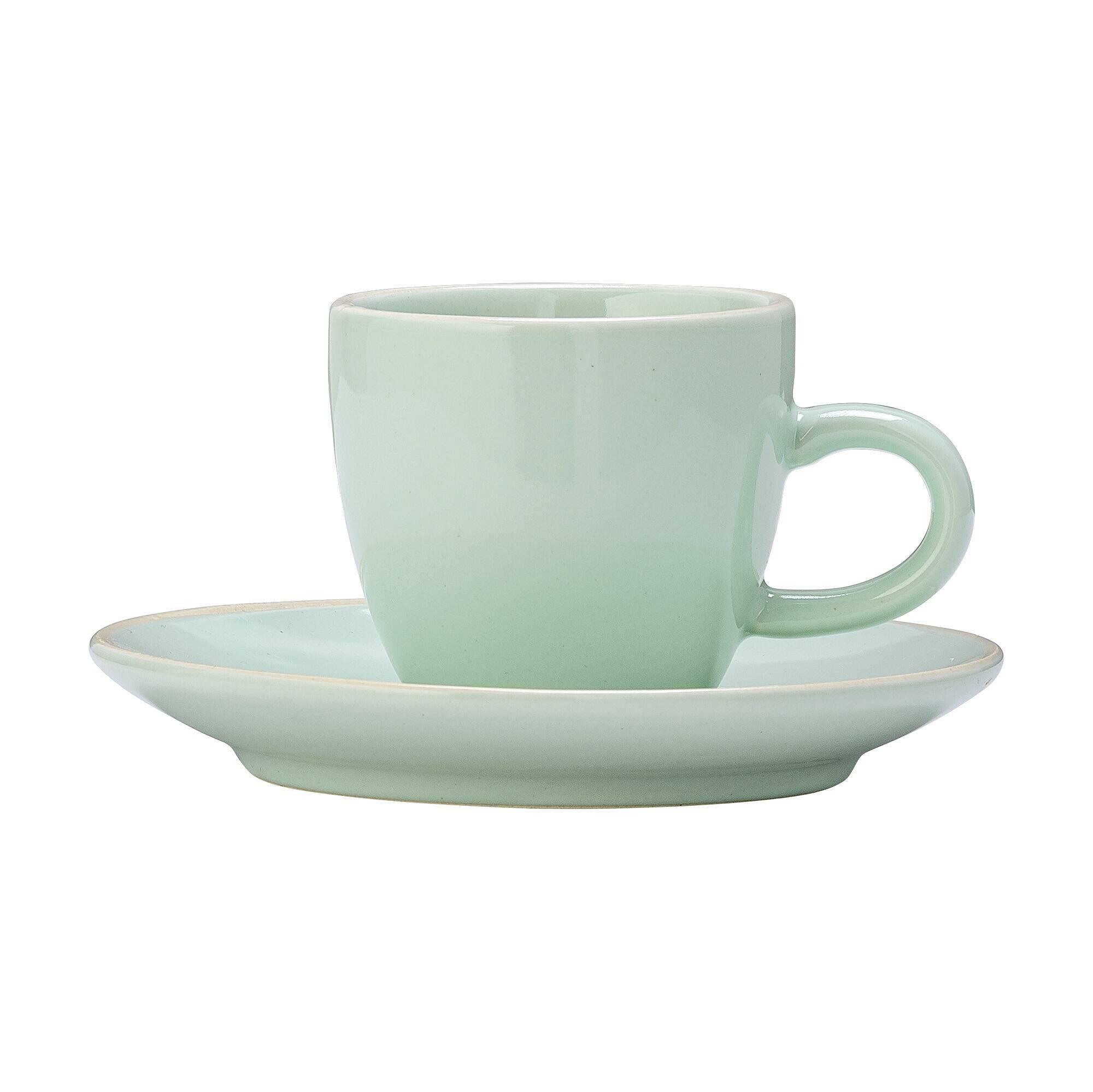 Чашка с блюдцем Bloomingville зеленаяПосуда<br><br><br>stock: 2<br>Высота: 5,5<br>Материал: Керамика<br>Цвет: Зелёный<br>Диаметр: 6; 11,5