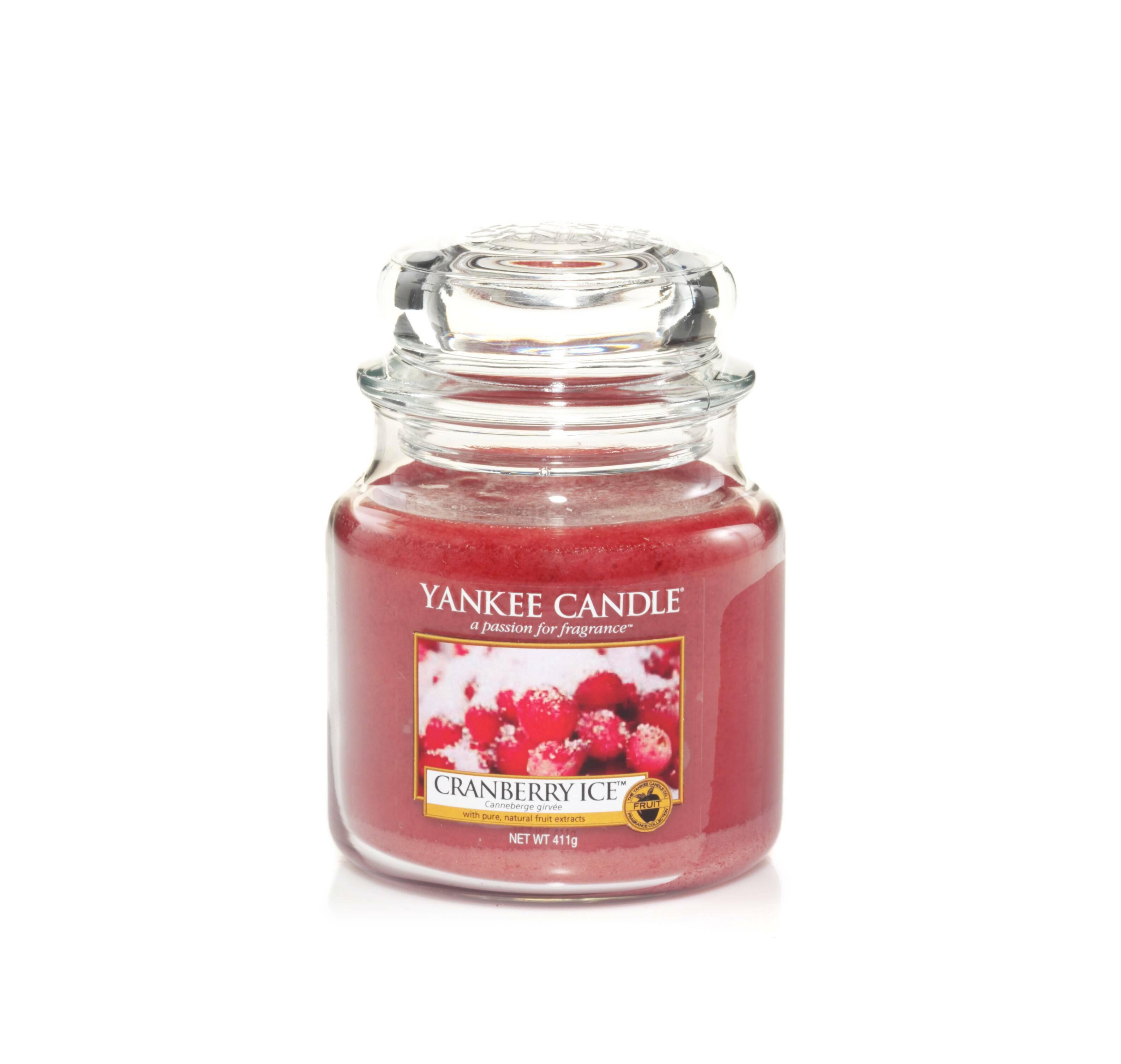 Свеча средняя в стеклянной банке Cranberry Ice