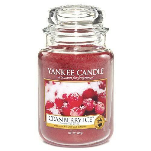 Свеча большая в стеклянной банке Cranberry Ice