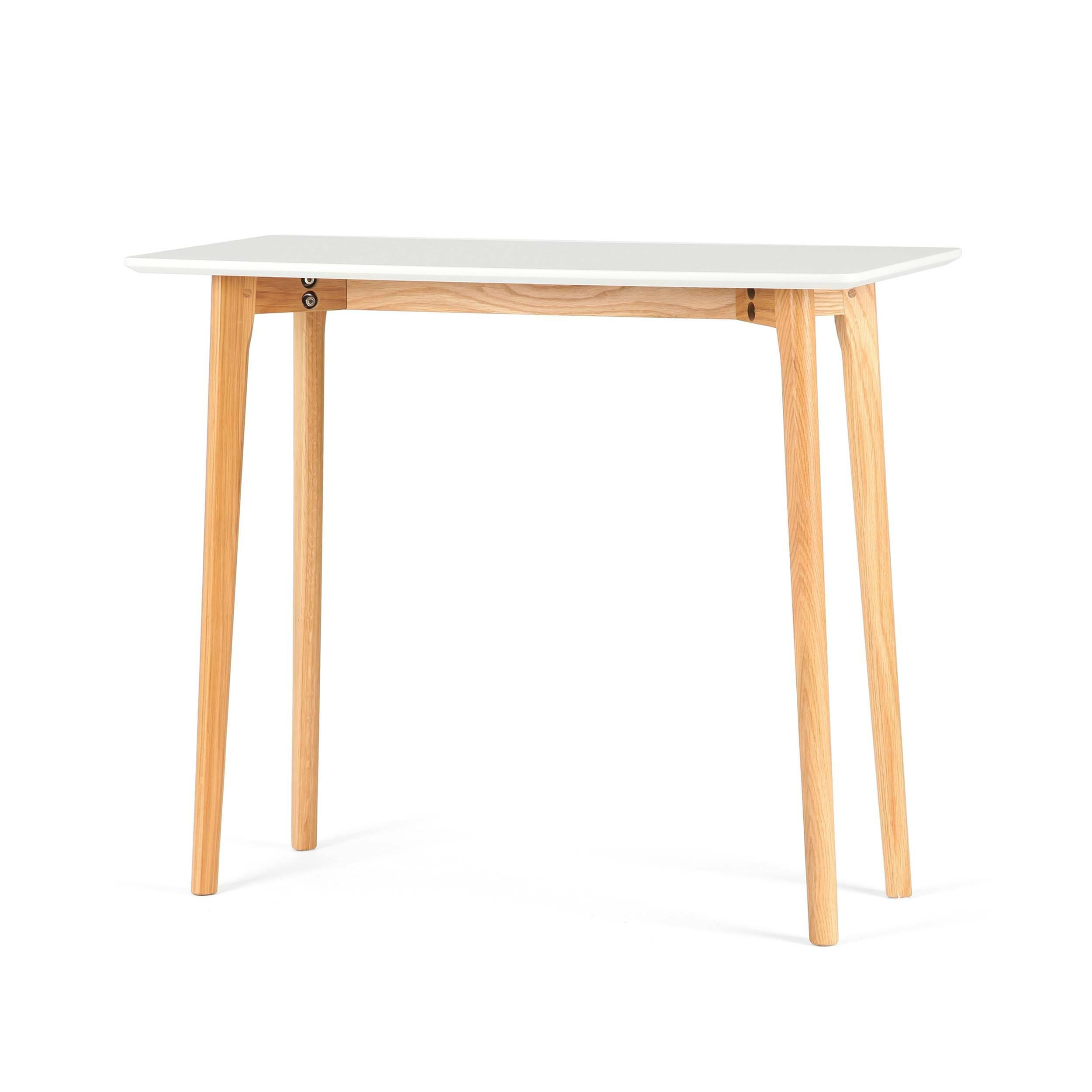 Консоль MitraКонсоли<br>Консоль – это универсальный предмет мебели, которому каждый легко найдет свое применение в быту. Консоль Mitra обладает лаконичным, простым дизайном, благодаря чему она отлично подойдет не только в качестве декоративного элемента интерьера, но и в качестве функционального. Например, на поверхность этой модели можно класть предметы, которые всегда должны быть под рукой, – телефоны, записные книжки, ключи.<br><br><br> Консоль часто играет еще и роль украшения интерьера. Дизайн данного изделия хоть...<br><br>stock: 25<br>Высота: 75<br>Ширина: 38<br>Длина: 90<br>Цвет ножек: Американский белый дуб<br>Цвет столешницы: Белый<br>Материал ножек: Массив дуба<br>Тип материала столешницы: МДФ
