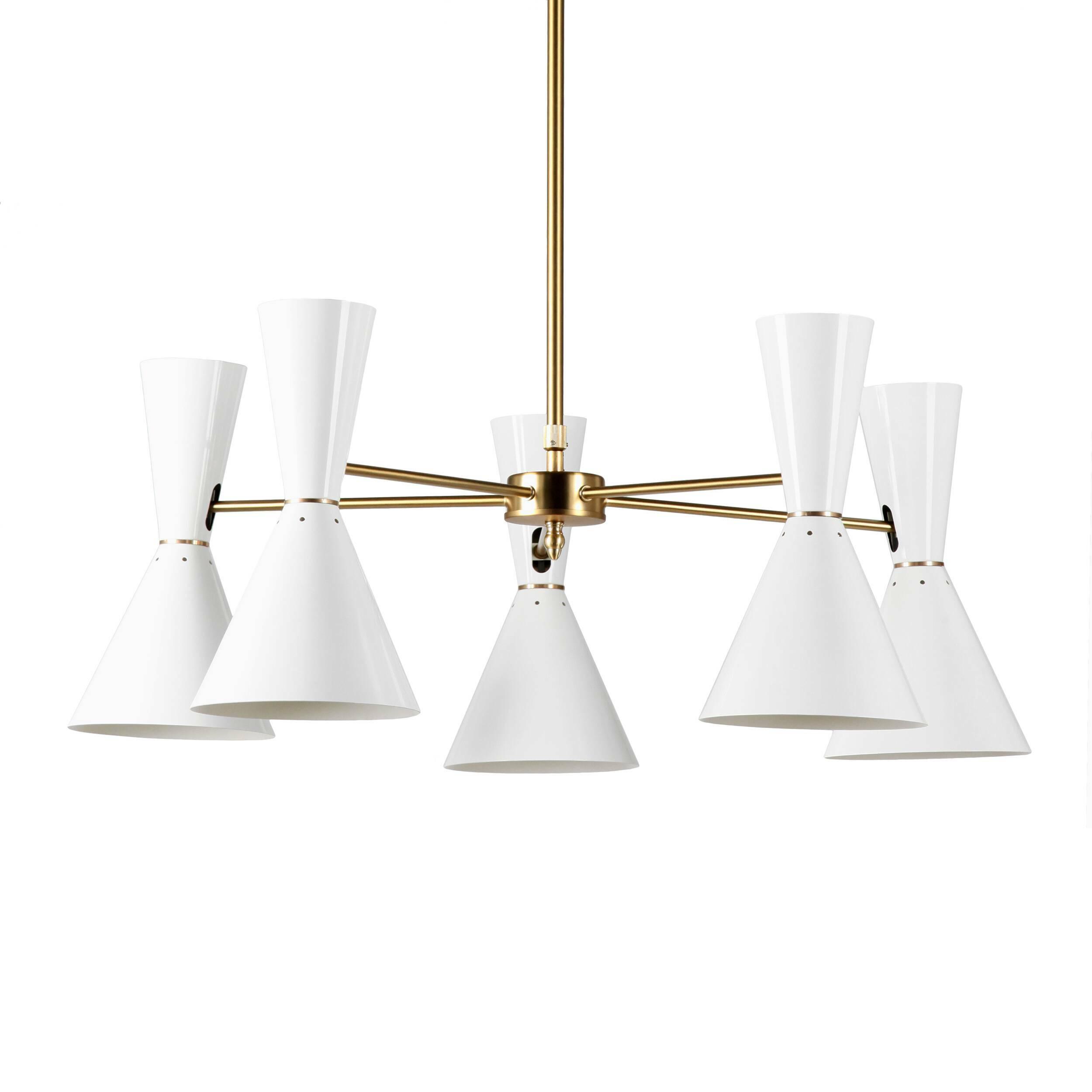 Потолочный светильник Stilnovo Style 5 лампПотолочные<br>Потолочный светильник Stilnovo Style 5 ламп — это яркий и веселый светильник американской компании Stilnovo, которая воспроизводит лампы самых известных дизайнеров XX века и создает новые необычные осветительные приборы.<br><br><br> Этот светильник отличается своим цветовым исполнением. Пять абажуров, выкрашенные в двух вариантах — черном и белом, обязательно будут поднимать вам настроение в холодный зимний день или дождливую пасмурную осеннюю погоду. Тонкие ножки напоминают лучи солнышка, кото...<br><br>stock: 2<br>Высота: 36<br>Диаметр: 76<br>Количество ламп: 5<br>Материал абажура: Сталь<br>Материал арматуры: Сталь<br>Мощность лампы: 60<br>Ламп в комплекте: Нет<br>Тип лампы/цоколь: E27<br>Цвет абажура: Белый<br>Цвет арматуры: Латунь