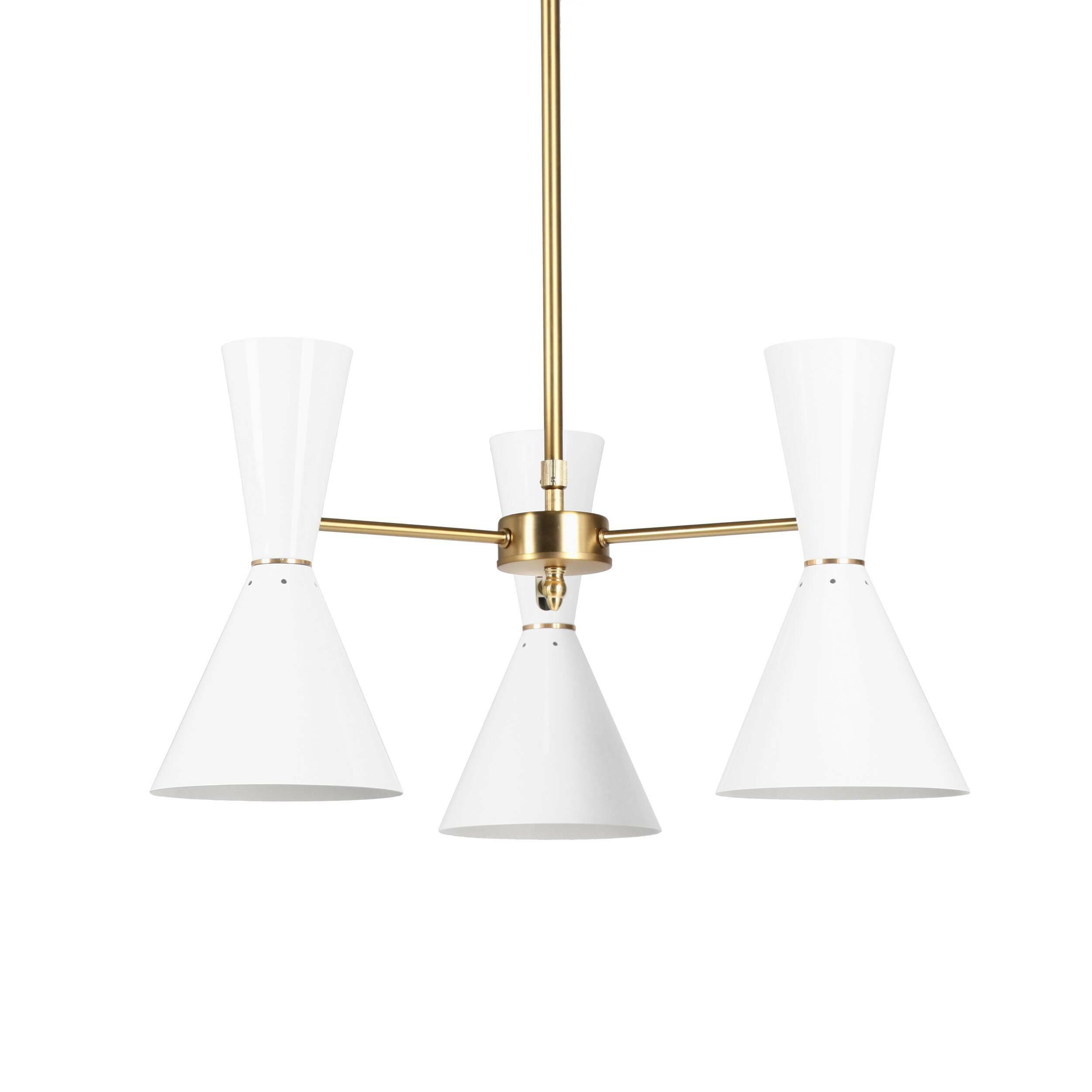 Потолочный светильник Stilnovo Style 3 лампыПотолочные<br>Потолочный светильник Stilnovo Style 3 лампы — это яркий и веселый светильник американской компании Stilnovo, которая воспроизводит лампы самых известных дизайнеров XX века и создает новые необычные осветительные приборы.<br><br><br> Этот светильник отличается своим цветовым исполнением. Три абажура, выкрашенные в двух вариантах — черном и белом, обязательно будут поднимать вам настроение в холодный зимний день или дождливую пасмурную осеннюю погоду. Тонкие ножки напоминают лучи солнышка, котор...<br><br>stock: 2<br>Высота: 36<br>Диаметр: 60<br>Количество ламп: 3<br>Материал абажура: Сталь<br>Материал арматуры: Сталь<br>Мощность лампы: 60<br>Ламп в комплекте: Нет<br>Тип лампы/цоколь: E27<br>Цвет абажура: Белый<br>Цвет арматуры: Латунь
