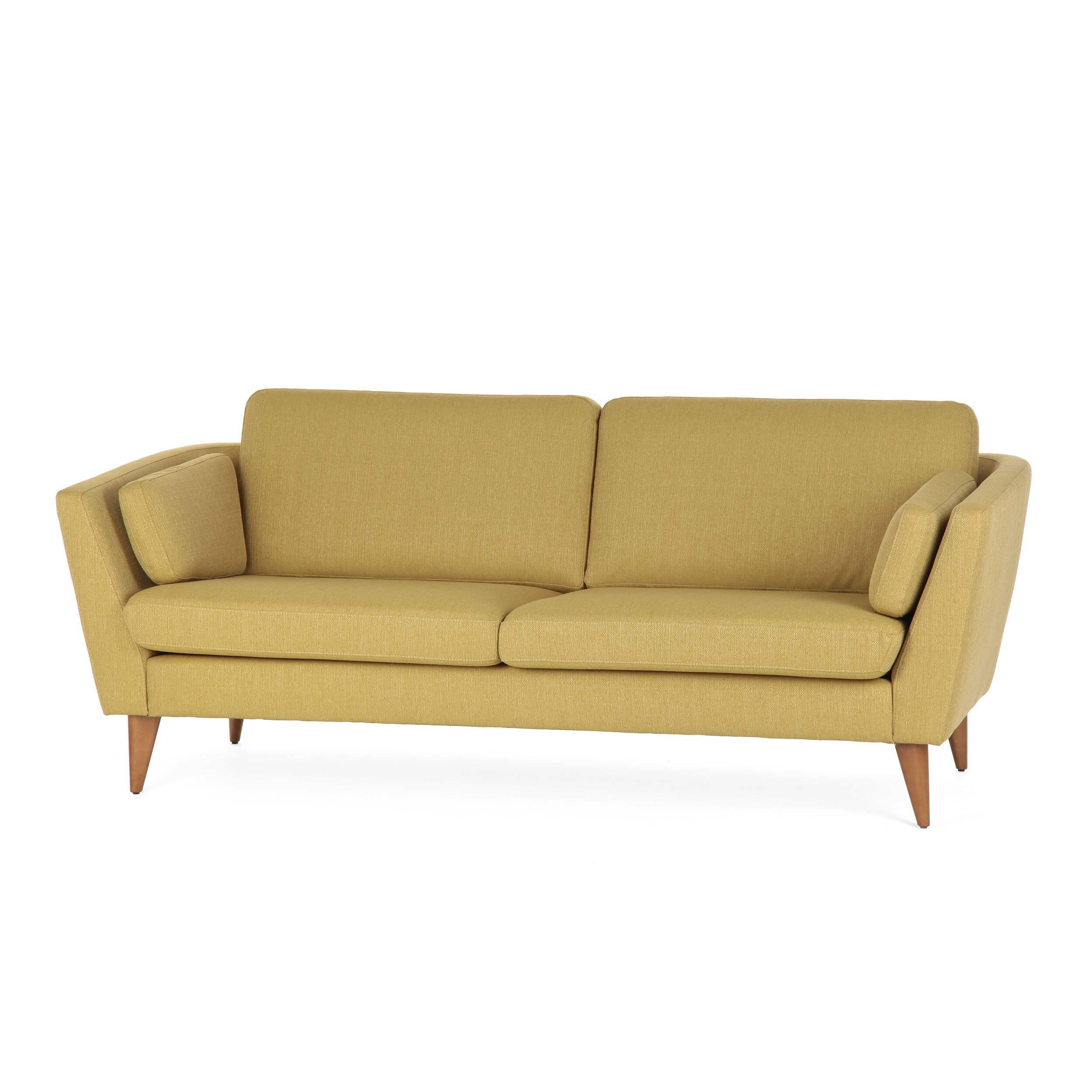 Диван Mynta ширина 200Трехместные<br>Дизайнерский удобный диван Mynta (Минта) классической формы на высоких деревянных ножках от Sits (Ситс).<br> Диван Mynta ширина 200 — произведение дизайнерского искусства компании Sits. Мебель Sits — это дизайн шведской школы, она отличается высоким качеством материалов и широкой цветовой палитрой. Экологичность материалов и профессионализм мастеров позволяют создавать предметы инновационного характера, которые нашли свое признание во всем мире.<br><br><br> Модель Mynta выполнена в стиле модерн, для...<br><br>stock: 1<br>Высота: 82<br>Высота сиденья: 45<br>Глубина: 87<br>Длина: 200<br>Цвет ножек: Орех<br>Материал обивки: Полиэстер<br>Коллекция ткани: Категория ткани А<br>Тип материала обивки: Ткань<br>Тип материала ножек: Дерево<br>Цвет обивки: Горчичный