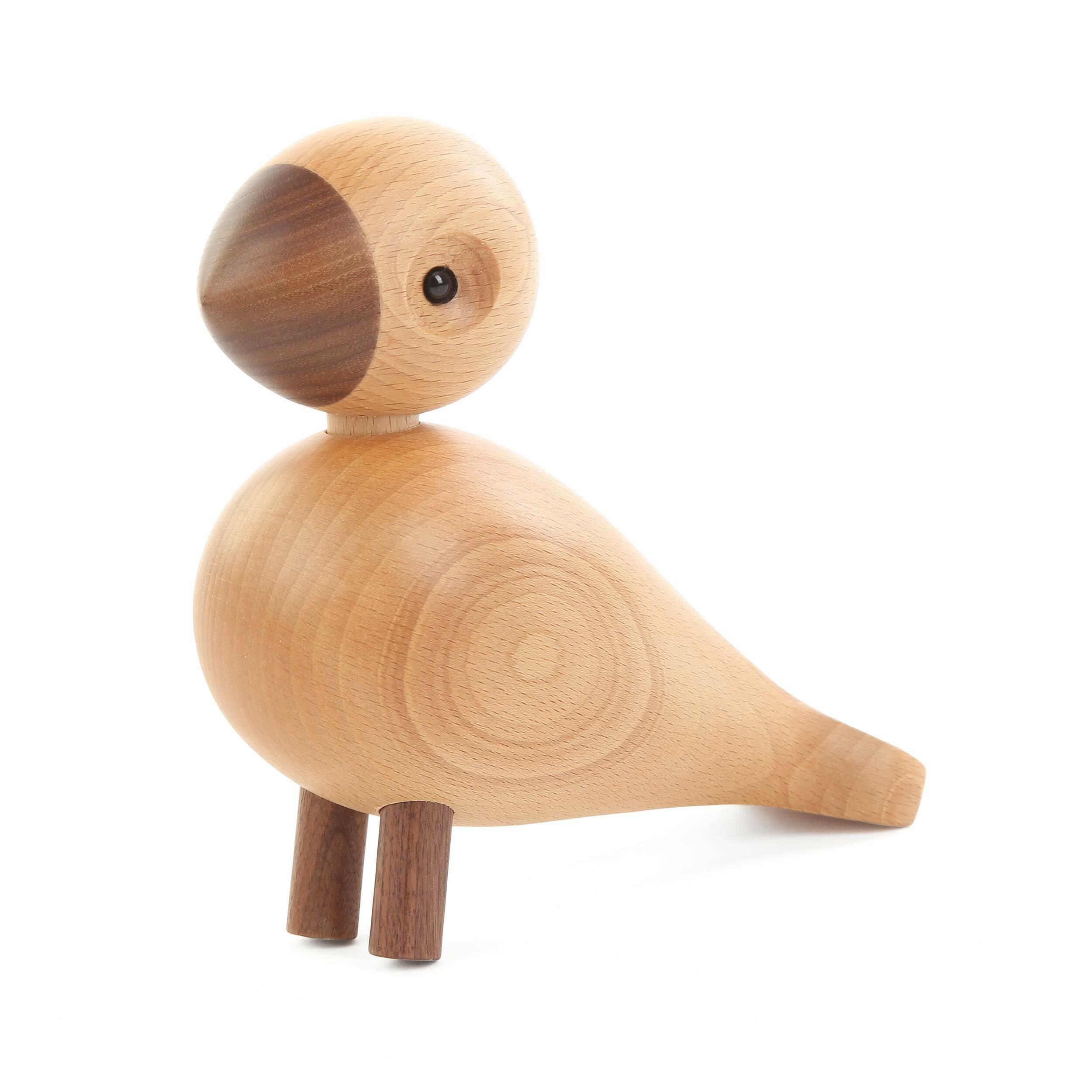 Статуэтка LovebirdНастольные<br>Одно присутствие этой милой птички способно преобразить помещение, сделать обстановку мягче, а атмосферу – более приветливой. Оригинальная статуэтка Lovebird (Лавберд) обладает гармоничным и дружелюбным характером. Она станет прекрасным дополнением детской или интересным украшением для гостиной комнаты.<br><br><br> Это очаровательное творение сделано из двух ценных пород дерева – массивов бука и ореха. Оба материала обладают высокой прочностью и неповторимым цветовым оттенком. А самое главное, и...<br><br>stock: 19<br>Высота: 15<br>Материал: Массив бука<br>Цвет: Светло-коричневый<br>Материал дополнительный: Массив ореха<br>Цвет дополнительный: Коричневый