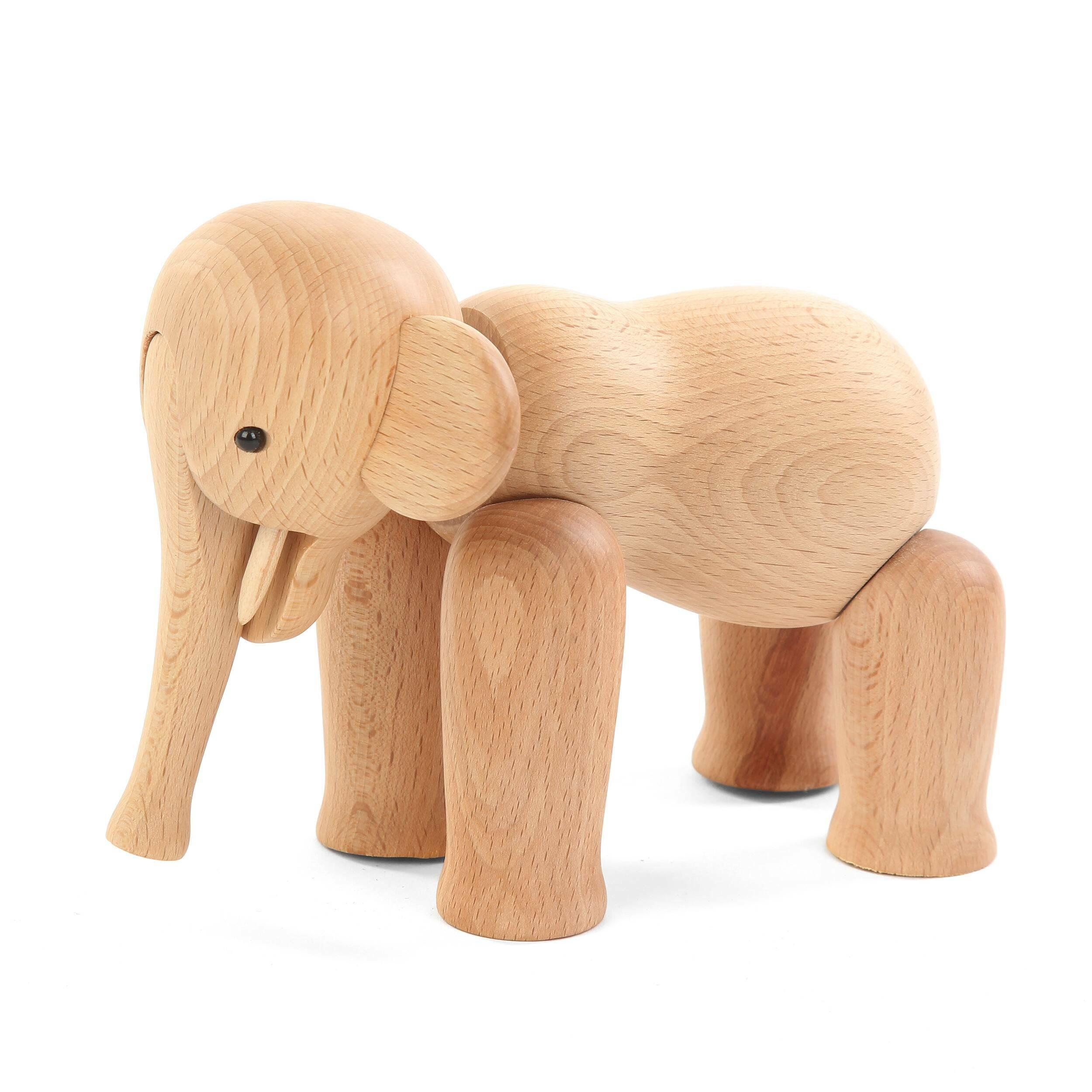 Статуэтка Old ElephantНастольные<br>Оригинальная дизайнерская статуэтка Old Elephant (Олд Элефант) может быть не только красивым украшением для дома, но и интересным сувениром на любой праздник. Изделие обладает мягкими чертами и выполнено в теплом светло-коричневом цвете.<br><br><br> Главная особенность этой модели – это массив бука, из которого она изготавливается. Это экзотичное дерево, обладающее высокой степенью твердости и прочности. Не говоря уже об экологической ценности таких изделий.<br><br><br> Old Elephant – универсальное ...<br><br>stock: 18<br>Материал: Массив бука<br>Цвет: Коричневый<br>Длина: 17