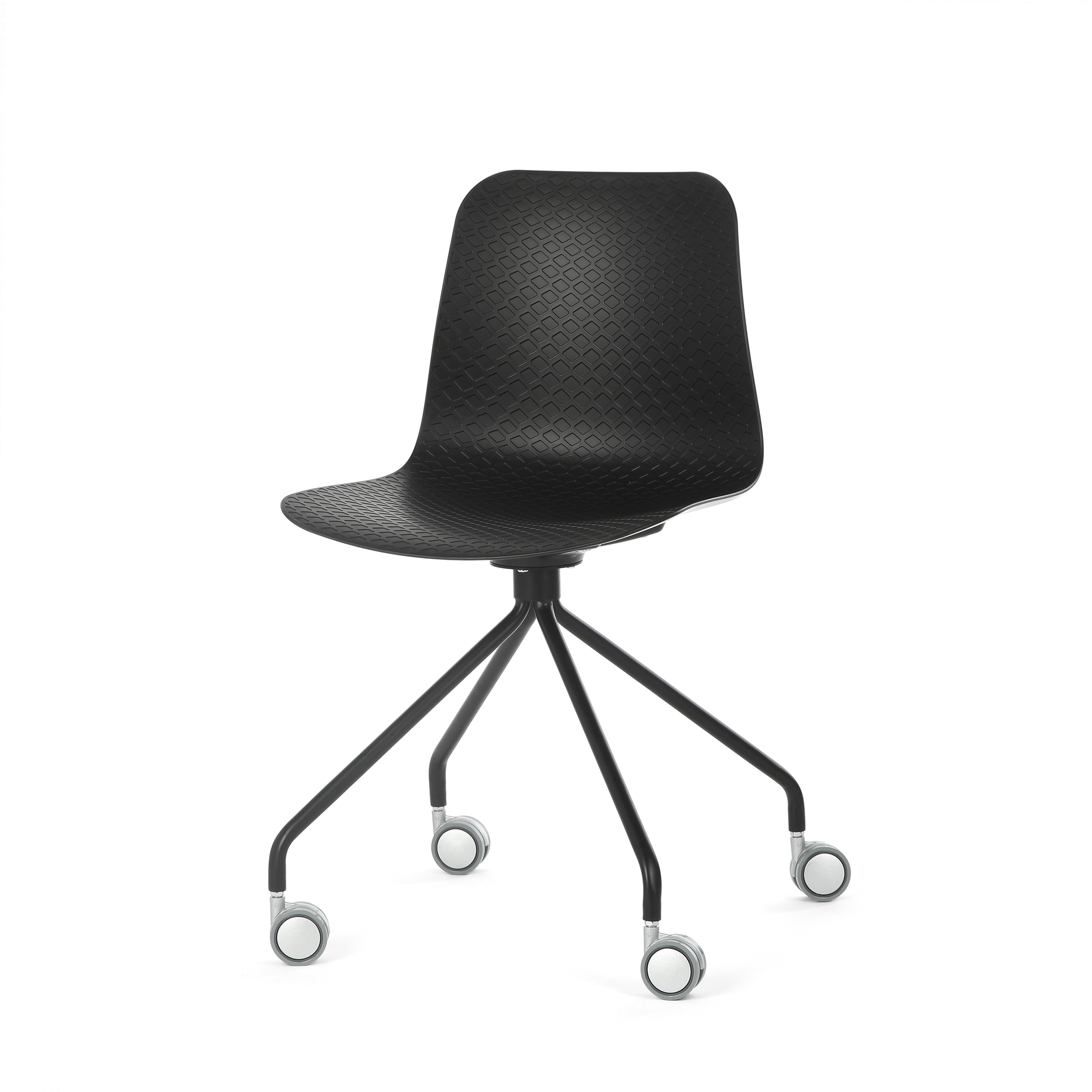 Стул Glide на колесикахИнтерьерные<br>Дизайнерский черно-белый стул Glide (Глайд) из пластика на стальных ножках с колесиками от Cosmo (Космо).<br>Glide — небольшая коллекция интерьерных стульев, выполненная  в соответствии с высокими требованиями к комфорту. Их дизайн разработан для дома, офиса и общественных мест. Модели коллекции отличаются ножками — их цветом, формой и стилем. Дизайнер хотел создать универсальную линейку, в которой любой сможет найти себе подходящий вариант.<br> <br> Сиденье изготовлено из полипропилена — современн...<br><br>stock: 30<br>Высота: 81<br>Высота спинки: 45<br>Ширина: 47<br>Глубина: 48<br>Цвет ножек: Черный<br>Цвет сидения: Черный<br>Тип материала сидения: Полипропилен<br>Тип материала ножек: Сталь