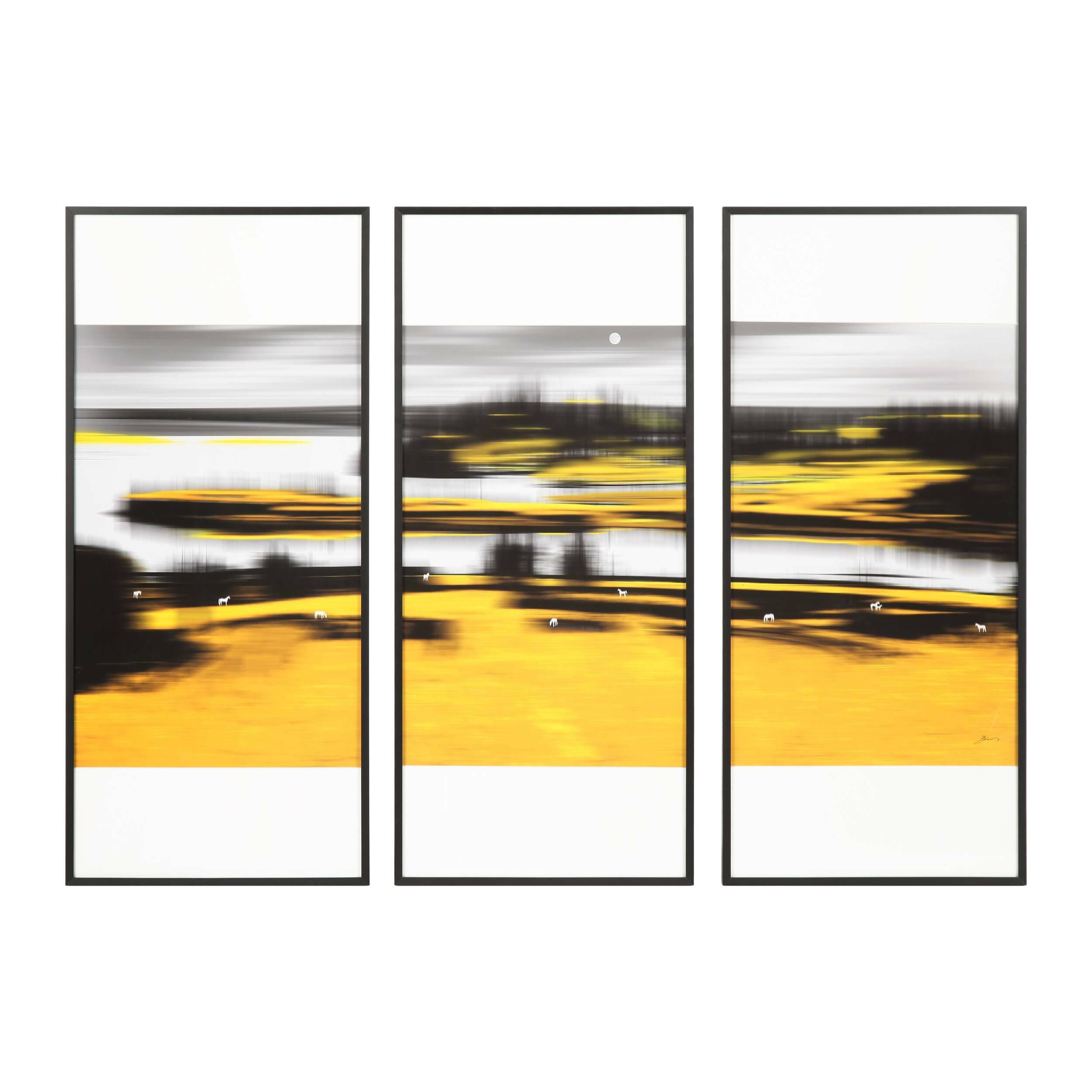 Постер Triptych: Golden ShoresКартины<br>Триптихи приобрели невероятную популярность среди дизайнеров всего мира – с помощью таких композиций можно создавать потрясающие, интересные интерьеры, которые будут радовать вас своей индивидуальностью и современным стилем. Дизайнерский постер Triptych: Golden Shores (Триптих: Золотые Берега) обладает очень динамичным и ярким рисунком – такое украшение станет главным декоративным акцентом всего помещения.<br><br><br> Постер Triptych: Golden Shores выполнен в оригинальной цветовой гамме, котора...<br><br>stock: 4<br>Ширина: 40,4<br>Цвет: Желтый<br>Длина: 90,4<br>Цвет дополнительный: Темно-серый