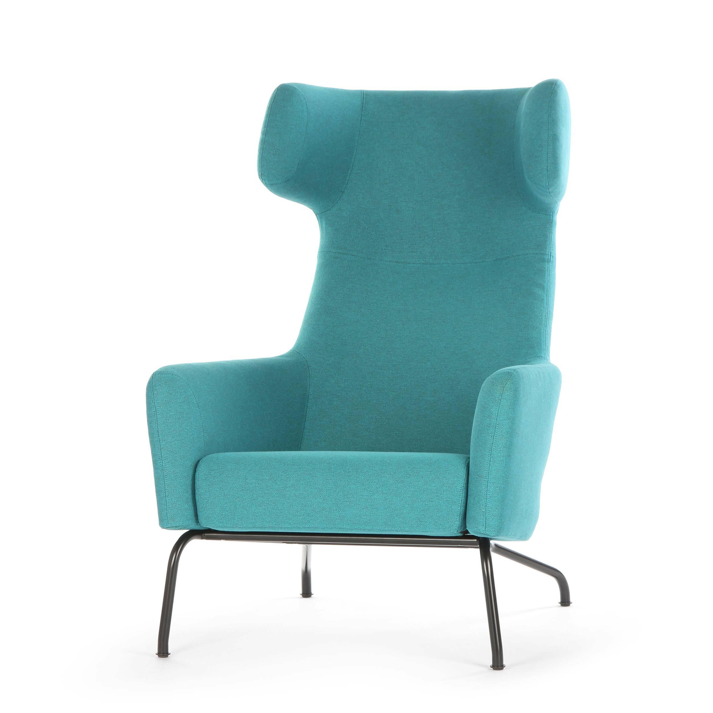 Кресло HavanaИнтерьерные<br>Дизайнерское интерьерное мягкое кресло Havana (Гавана) с откинутой спинкой с обивкой из ткани от Softline (Софтлайн).<br><br><br> Знаковое кресло Havana от знаменитого датского дуэта Буск и Херцог — это новый подход к классическим формам кресла для отдыха. Это культовое кресло для релаксации создано для того, чтобы давать уют и комфорт пользователю. Привычные классические формы приобретают динамику и движение, при этом не искажая целостный дизайн кр...<br><br>stock: 0<br>Высота: 107<br>Высота сиденья: 40<br>Ширина: 79<br>Глубина: 96<br>Цвет ножек: Черный<br>Материал обивки: Хлопок, Полиэстер<br>Коллекция ткани: Vision<br>Тип материала обивки: Ткань<br>Тип материала ножек: Сталь<br>Цвет обивки: Бирюзовый