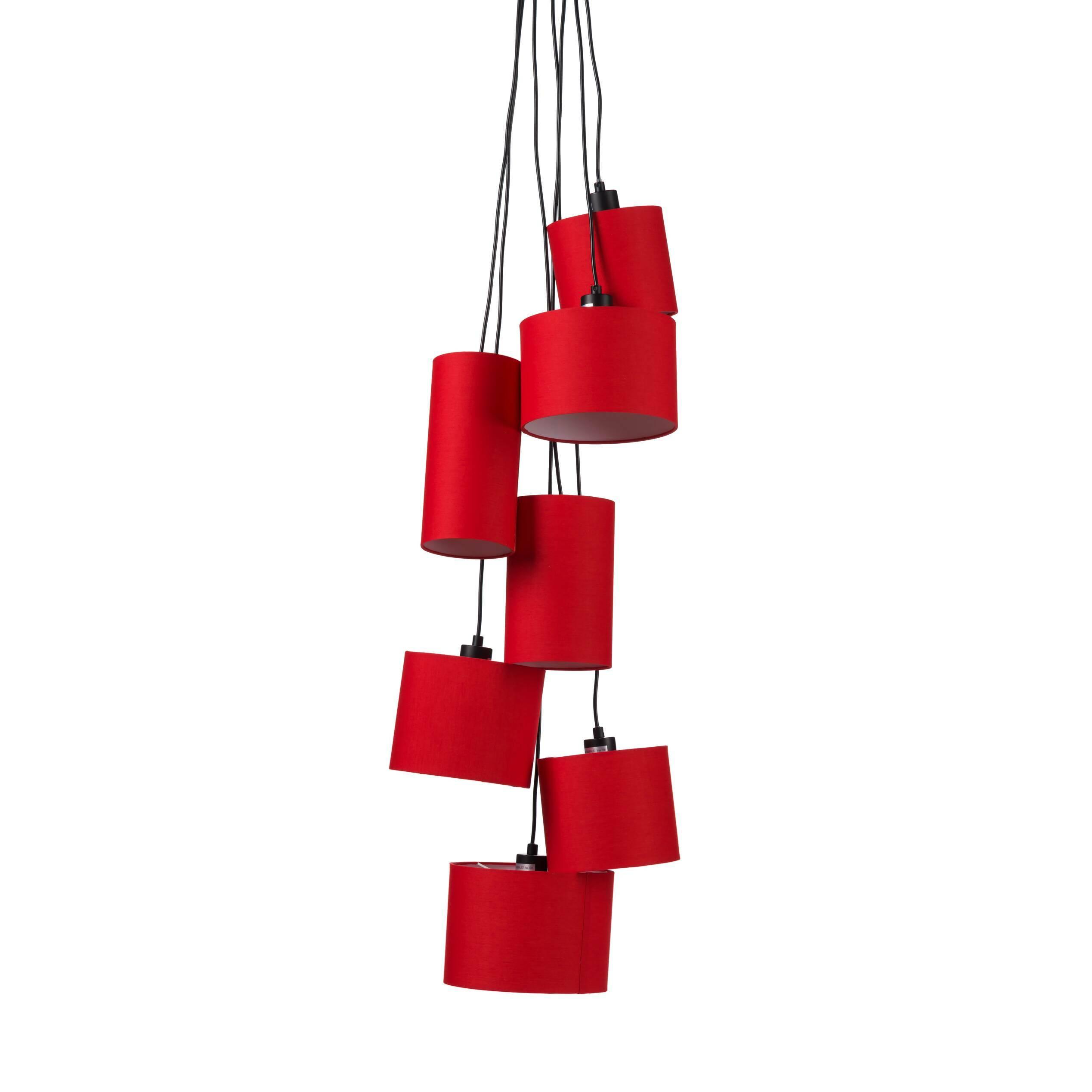 Подвесной светильник Fabric ClusterПодвесные<br>Порой свет играет наиважнейшую роль в дизайне интерьера. Иногда мебель, стены и полы подобраны в скромной и сдержанной цветовой палитре, но в то же время наряду с аксессуарами светильники становятся «единственными актерами театра». Подвесной светильник Fabric Cluster как раз подходит на эту роль — поднимайте занавес, шоу начинается!<br> <br> Яркие красочные абажуры разных диаметров и размеров растянулись во всю высоту потолков, стильная «гроздь» светильников непременно прикует к себе взгляды. Есл...<br><br>stock: 20<br>Диаметр: 65<br>Количество ламп: 7<br>Материал абажура: Ткань<br>Мощность лампы: 25<br>Ламп в комплекте: Нет<br>Напряжение: 220<br>Тип лампы/цоколь: E27<br>Цвет абажура: Красный