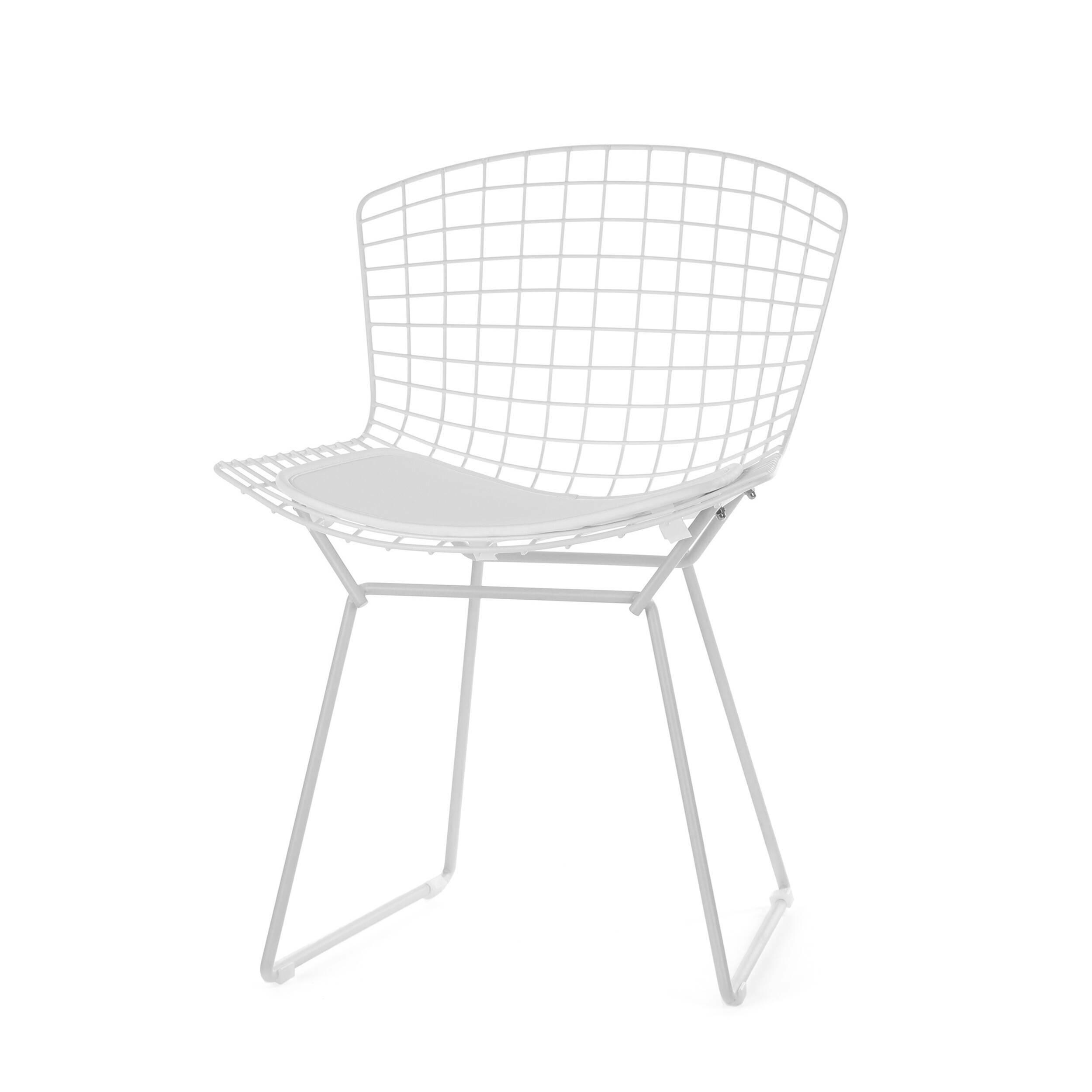 Стул Bertoia Side кожаный StandartИнтерьерные<br>Дизайнерский стул Bertoia Side Standart (Бертола Сайд Стандар) из тонких стальных прутьев с сиденьем из кожи от Cosmo (Космо).<br>Стул Bertoia Side кожаный Standart разработан в 1952 году дизайнером Гарри Бертойей и был частью его коллекции. Это икона современного дизайна середины прошлого века. Обладая сильной эстетической привлекательностью, его стул широко использовался другими дизайнерами, такими как Ээро Сааринен в Массачусетском технологическом институте и в здании Международного аэропорт...<br><br>stock: 0<br>Высота: 74<br>Высота сиденья: 44<br>Ширина: 52,5<br>Глубина: 58<br>Тип материала каркаса: Сталь нержавеющя<br>Цвет сидения: Белый<br>Тип материала сидения: Полиуретан<br>Коллекция ткани: Premium Grade PU<br>Цвет каркаса: Белый