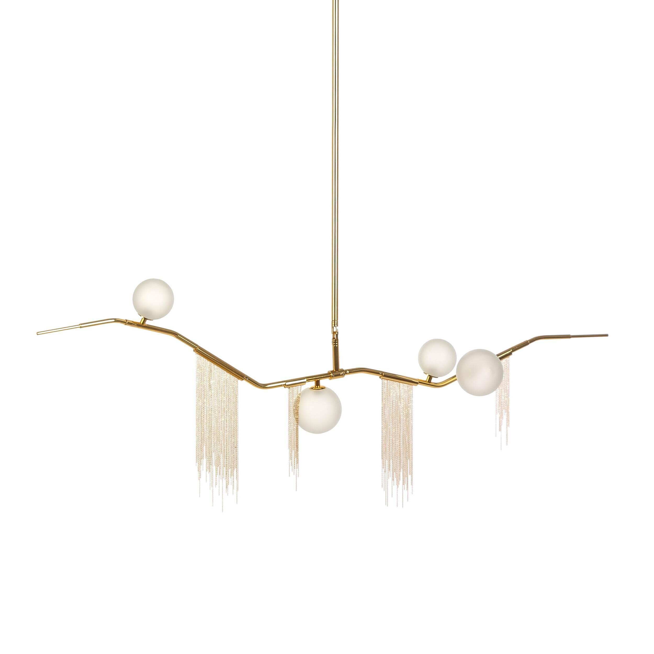 Подвесной светильник LianaПодвесные<br>Такие интерьерные стили, как ар-деко или модерн, привлекают изысканным вкусом и элегантной цветовой гаммой. Дизайнерский подвесной светильник Liana (Лиана) выполнен именно в таком формате и представляет собой красивую кривую, на которой дизайнер особым образом расположил лампы и декоративные элементы.<br><br><br> Модель не только красива, но и обладает высокой степенью прочности и надежности, такие качества ей придает сочетание стали и алюминия. Светильник устойчив к износу и долговечен.<br><br><br>...<br><br>stock: 0<br>Высота: 51<br>Ширина: 20<br>Длина: 140<br>Количество ламп: 4<br>Материал абажура: Стекло<br>Материал арматуры: Сталь, Алюминий<br>Мощность лампы: 3<br>Тип лампы/цоколь: G4<br>Цвет абажура: Белый<br>Цвет арматуры: Золотой