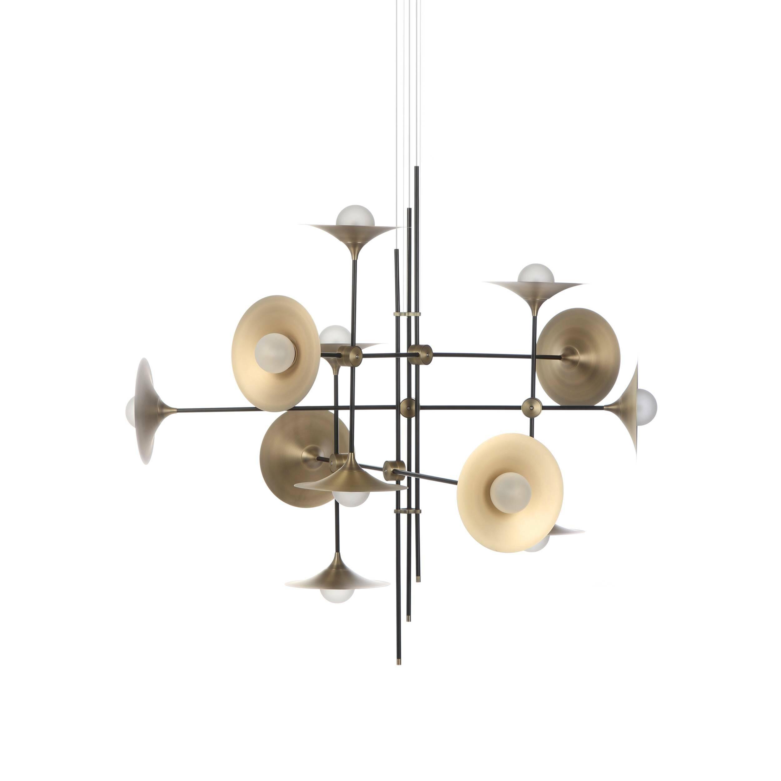Потолочный светильник Jenkins, 12 лампПотолочные<br>Дизайнерский потолочный светильник Jenkins, 12 ламп представляет собой оригинальную конструкцию из абажуров в стиле минимализм. Сложный на первый взгляд, светильник выполнен из простых лаконичных элементов и может стать отличным дополнением как сложносочиненных интерьеров, так и строгих и минималистичных комнат.<br><br><br> Состав этой модели прост – стекло и металл. Такая основа обеспечивает изделию высокую прочность и необычайно долгий срок службы. А еще светильник обладает стильной современ...<br><br>stock: 0<br>Высота: 180<br>Длина: 140<br>Материал абажура: Стекло<br>Материал арматуры: Металл<br>Мощность лампы: 2<br>Тип лампы/цоколь: G9<br>Цвет абажура: Латунь<br>Цвет арматуры: Черный матовый