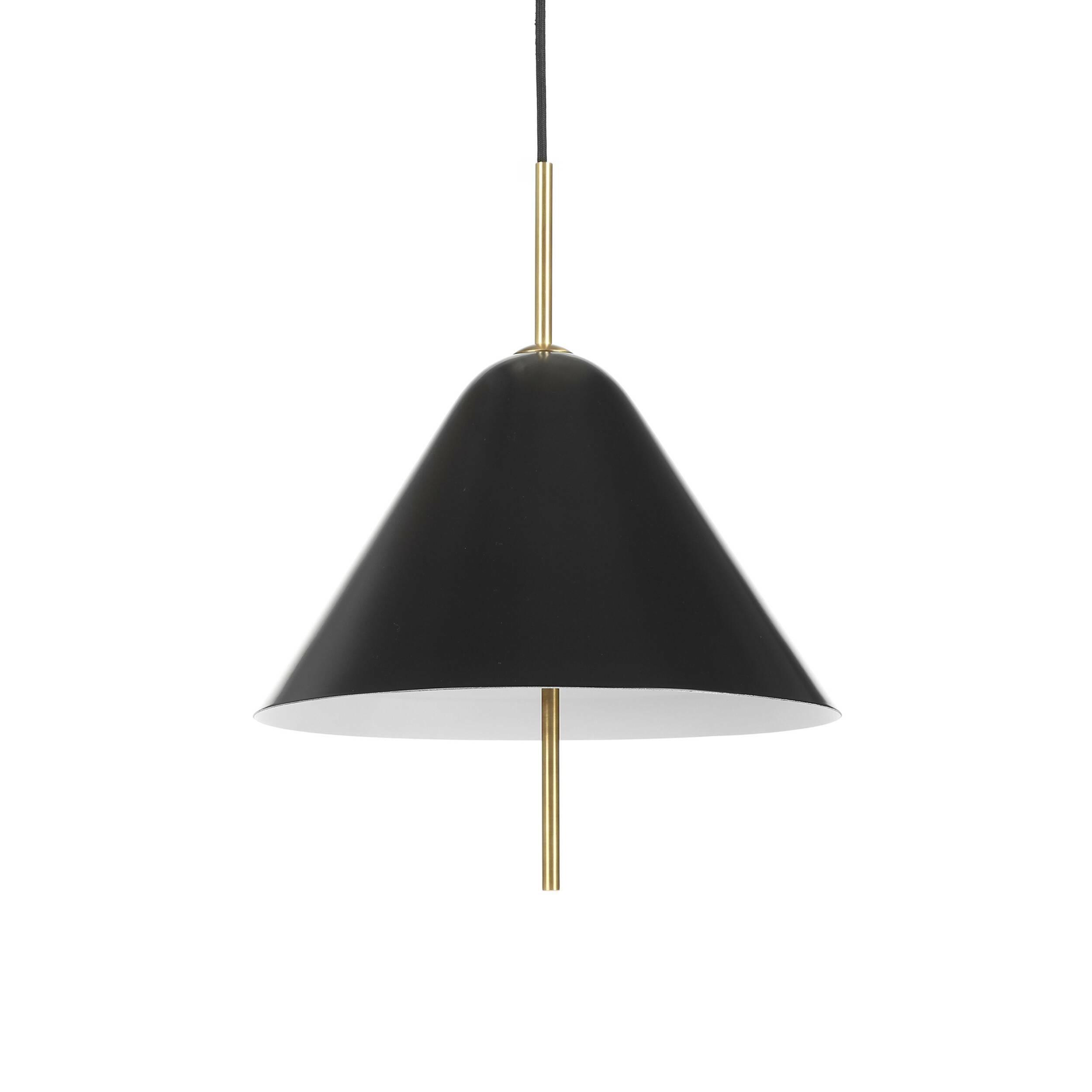 Подвесной светильник Oria диаметр 38Подвесные<br>Минималистичный дизайнерский подвесной светильник Oria диаметр 38 – это стильное лаконичное изделие, которое станет отличным дополнением для интерьера в современном стиле. Дизайн этого светильника говорит сам за себя: едва заметная форма классики гармонично переплетается с современным форматом и цветовой палитрой. Такой светильник будет уместен в любом помещении.<br><br><br> Для его создания используются самые современные материалы и технологии, что позволяет гарантировать изделию высокую степ...<br><br>stock: 9<br>Высота: 46<br>Диаметр: 38<br>Материал абажура: Алюминий<br>Материал арматуры: Металл<br>Мощность лампы: 40<br>Тип лампы/цоколь: E14<br>Цвет абажура: Черный