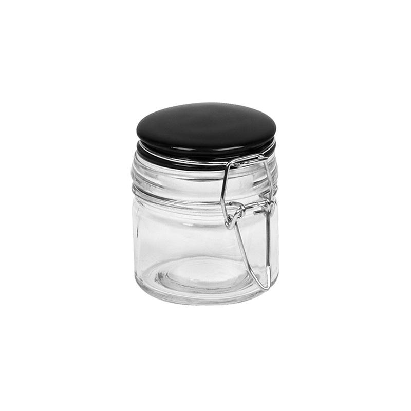 Банка для хранения с крышкой BRIGHT (ZBI730048)Посуда<br>Артикул: ZBI730048. Если вы мечтаете наконец-то систематизировать бакалею и специи, приглядитесь к банке для хранения BRIGHT. Этот стильный аксессуар из прозрачного стекла дополнен плотно прилегающей крышкой, которая надежно защитит продукты от пыли, влаги и нежелательных насекомых. Сквозь стенки вы отлично разглядите, какой именно ингредиент находится в банке. Такая посуда станет украшением стильной монохромной кухни или столовой, удобно расположившись на столешнице, консоли или в шкафчике д...<br><br>stock: 25<br>Высота: 7<br>Материал: Стекло<br>Цвет: Черный<br>Размер: None<br>Диаметр: 6<br>Страна происхождения: Франция