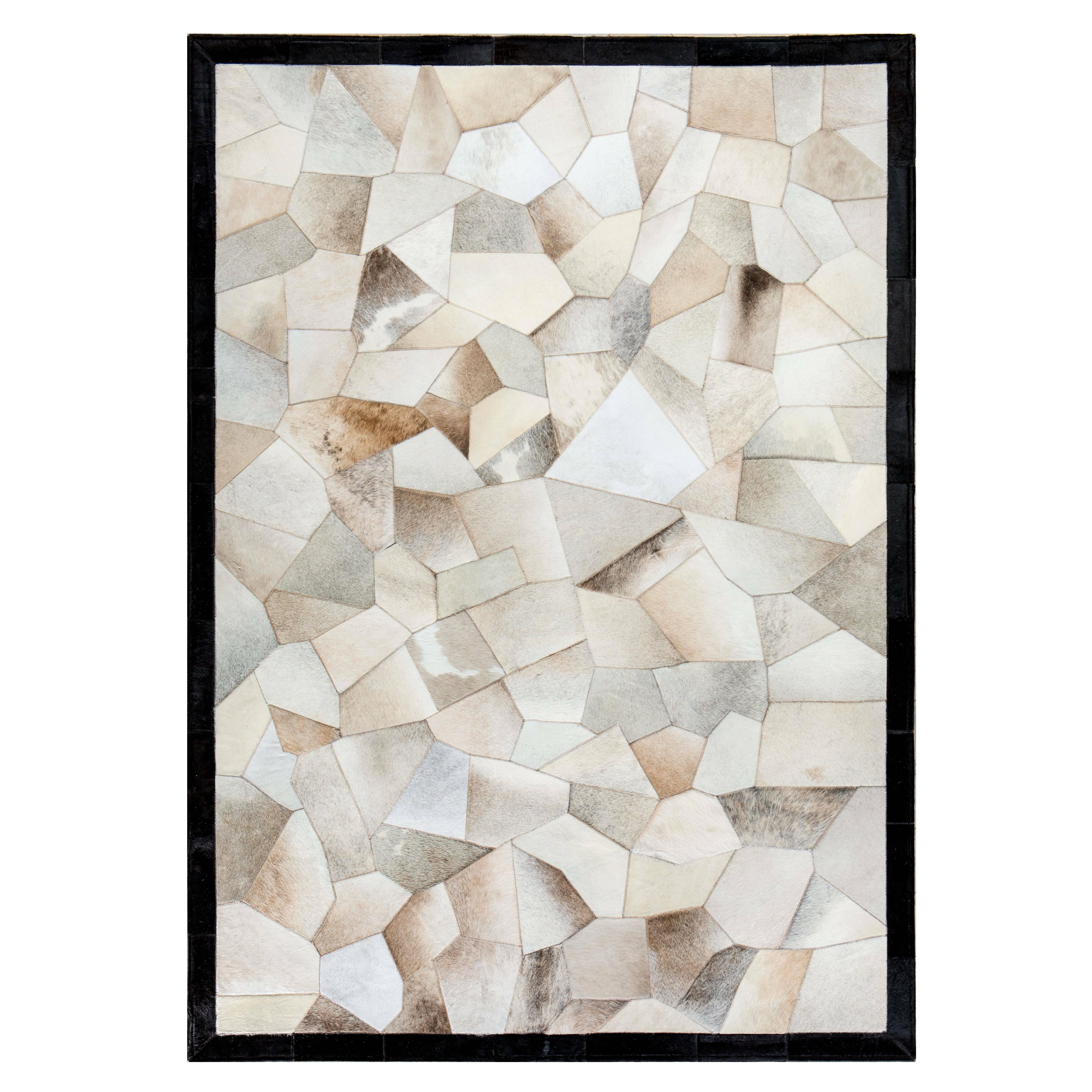Ковер QuartzКовры<br>Mosaic Rug – это уникальный английский бренд, который занимается производством высококачественных ковров из коровьих шкур на основе из искусственной кожи. Дизайнеры создают из этого необычного материала настоящие шедевры. Каждое изделие шьется вручную с помощью современных швейных машин. Ковры отличаются яркой индивидуальностью и характером, каждый обладает интересными сочетаниями цветовых оттенков, паттернов, рисунков и узоров. Все этапы производства находятся под тщательным контролем опы...<br><br>stock: 0<br>Ширина: 120<br>Материал: Коровья шкура<br>Цвет: Разноцветный<br>Длина: 180<br>Состав основы: Кожа искусственная