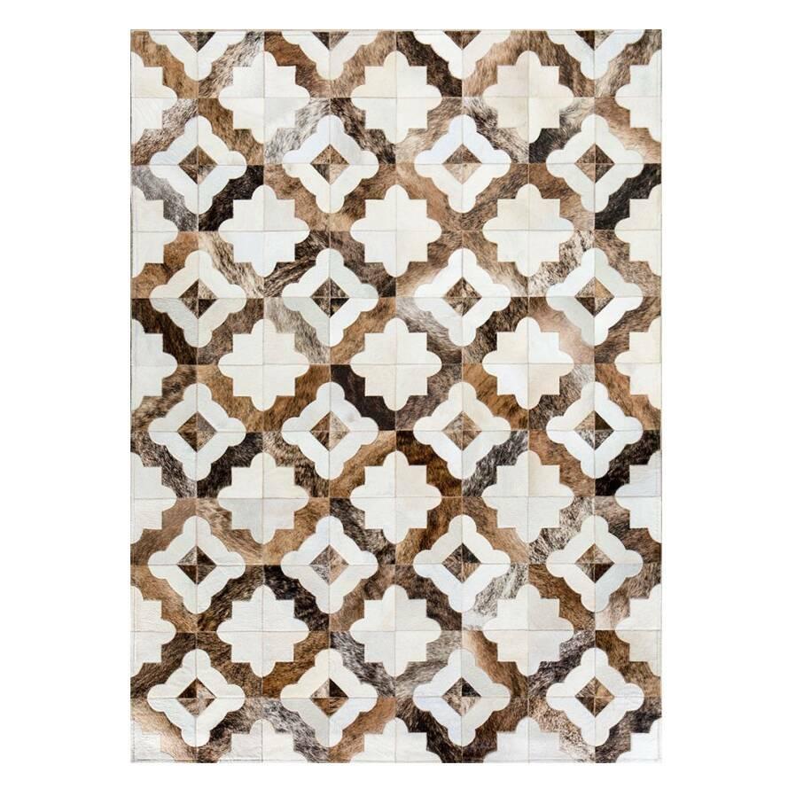 Ковер RoyalКовры<br>Mosaic Rug – это уникальный английский бренд, который занимается производством высококачественных ковров из коровьих шкур на основе из искусственной кожи. Дизайнеры создают из этого необычного материала настоящие шедевры. Каждое изделие шьется вручную с помощью современных швейных машин. Ковры отличаются яркой индивидуальностью и характером, каждый обладает интересными сочетаниями цветовых оттенков, паттернов, рисунков и узоров. Все этапы производства находятся под тщательным контролем опы...<br><br>stock: 0<br>Ширина: 120<br>Материал: Коровья шкура<br>Цвет: Разноцветный<br>Длина: 180<br>Состав основы: Кожа искусственная