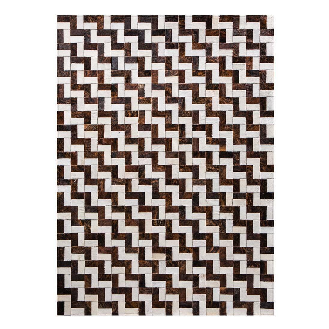 Ковер InterferenceКовры<br>Mosaic Rug – это уникальный английский бренд, который занимается производством высококачественных ковров из коровьих шкур на основе из искусственной кожи. Дизайнеры создают из этого необычного материала настоящие шедевры. Каждое изделие шьется вручную с помощью современных швейных машин. Ковры отличаются яркой индивидуальностью и характером, каждый обладает интересными сочетаниями цветовых оттенков, паттернов, рисунков и узоров. Все этапы производства находятся под тщательным контролем опы...<br><br>stock: 0<br>Ширина: 120<br>Материал: Коровья шкура<br>Цвет: Разноцветный<br>Длина: 180<br>Состав основы: Кожа искусственная