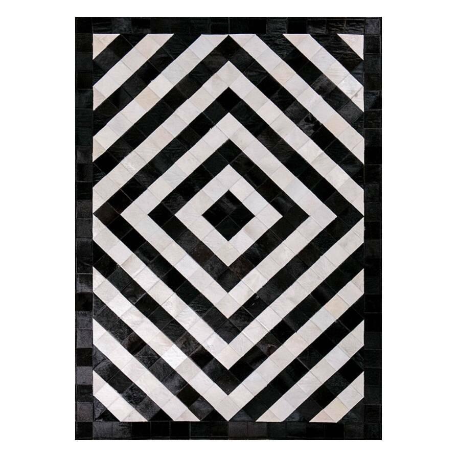 Ковер HenleyКовры<br>Mosaic Rug – это уникальный английский бренд, который занимается производством высококачественных ковров из коровьих шкур на основе из искусственной кожи. Дизайнеры создают из этого необычного материала настоящие шедевры. Каждое изделие шьется вручную с помощью современных швейных машин. Ковры отличаются яркой индивидуальностью и характером, каждый обладает интересными сочетаниями цветовых оттенков, паттернов, рисунков и узоров. Все этапы производства находятся под тщательным контролем опы...<br><br>stock: 0<br>Ширина: 120<br>Материал: Коровья шкура<br>Цвет: Черно-белый<br>Длина: 180<br>Состав основы: Кожа искусственная