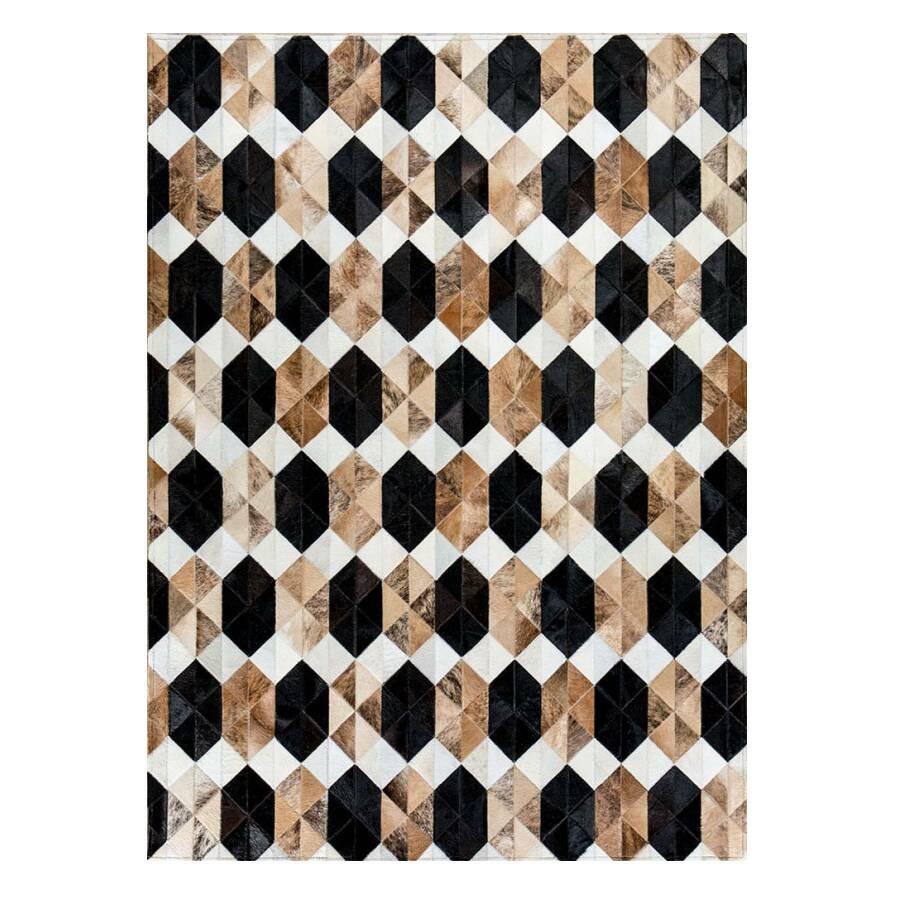 Ковер SapphireКовры<br>Mosaic Rug – это уникальный английский бренд, который занимается производством высококачественных ковров из коровьих шкур на основе из искусственной кожи. Дизайнеры создают из этого необычного материала настоящие шедевры. Каждое изделие шьется вручную с помощью современных швейных машин. Ковры отличаются яркой индивидуальностью и характером, каждый обладает интересными сочетаниями цветовых оттенков, паттернов, рисунков и узоров. Все этапы производства находятся под тщательным контролем опы...<br><br>stock: 0<br>Ширина: 120<br>Материал: Коровья шкура<br>Цвет: Разноцветный<br>Длина: 180<br>Состав основы: Кожа искусственная
