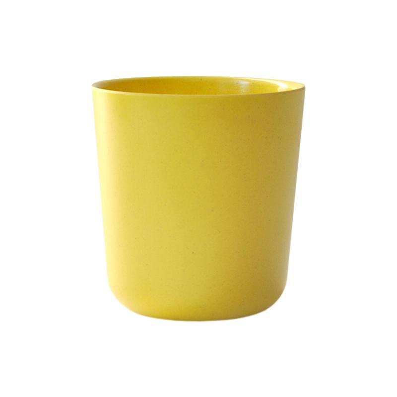 Стакан GUSTO (08934)Посуда<br>Артикул: 08934. Любителям необычных дизайнерских решений придется по душе стакан GUSTO лимонного цвета. Сосуд обтекаемой формы в виде цилиндра удобно ложится в руку. Он сделан из смеси бамбуковых волокон с пищевым меламином и подходит для мытья в посудомоечной машине. Стакан из экологически чистого материала позаботится о вашем здоровье и станет незаменимым спутником в походе или вылазке на природе. В отличие от дешевой посуды из пластика, он не выделяет в напиток вредные вещества. Нельзя исп...<br><br>stock: 28<br>Высота: 12<br>Ширина: 9<br>Материал: бамбук, пищевой меламин<br>Цвет: Желтый<br>Размер: 12 x 9 x 9<br>Длина: 9<br>Страна происхождения: Франция