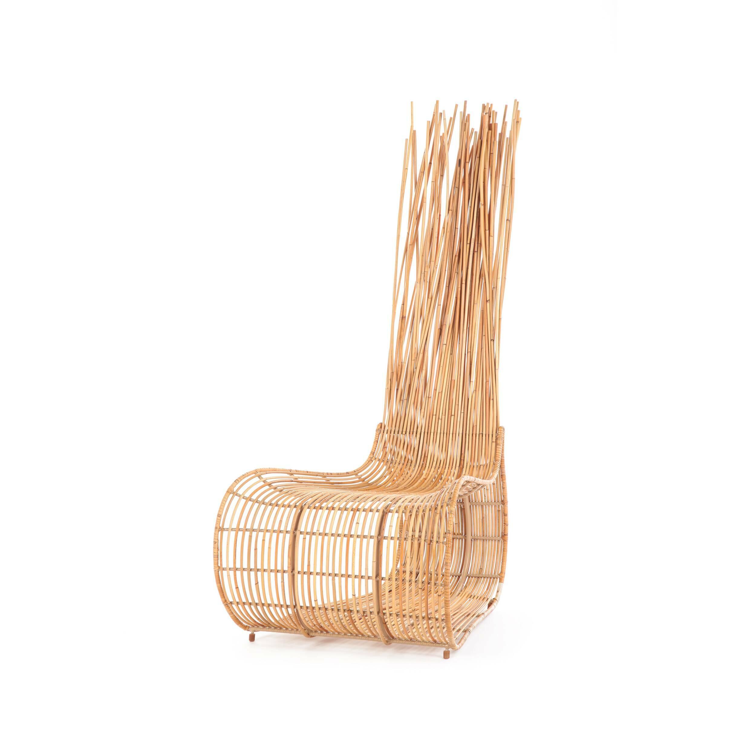 Кресло Yoda бежевоеИнтерьерные<br>Дизайнерское бежевое кресло Yoda (Йода) из ротанга в экостиле от Kenneth Cobonpue (Кеннет Кобонпу)<br><br><br> Любимец голливудских звезд, дизайнер года 2014 по версии Maison &amp; Objet, филиппинец Кеннет Кобонпу — гуру экологичных интерьеров, научивший европейцев ценить азиатский дизайн не меньше итальянского и познакомивший их с экзотикой и старинными ремеслами и материалами своей родины. Его ноу-хау — плетеная мебель из ротанга, столь популярная на Юго-Востоке, где из этой разновидности па...<br><br>stock: 3<br>Высота: 134<br>Высота сиденья: 39<br>Ширина: 63<br>Глубина: 70<br>Цвет спинки: Светло-коричневый<br>Материал спинки: Ротанг, Нейлон<br>Цвет сидения: Светло-коричневый<br>Тип материала сидения: Сталь