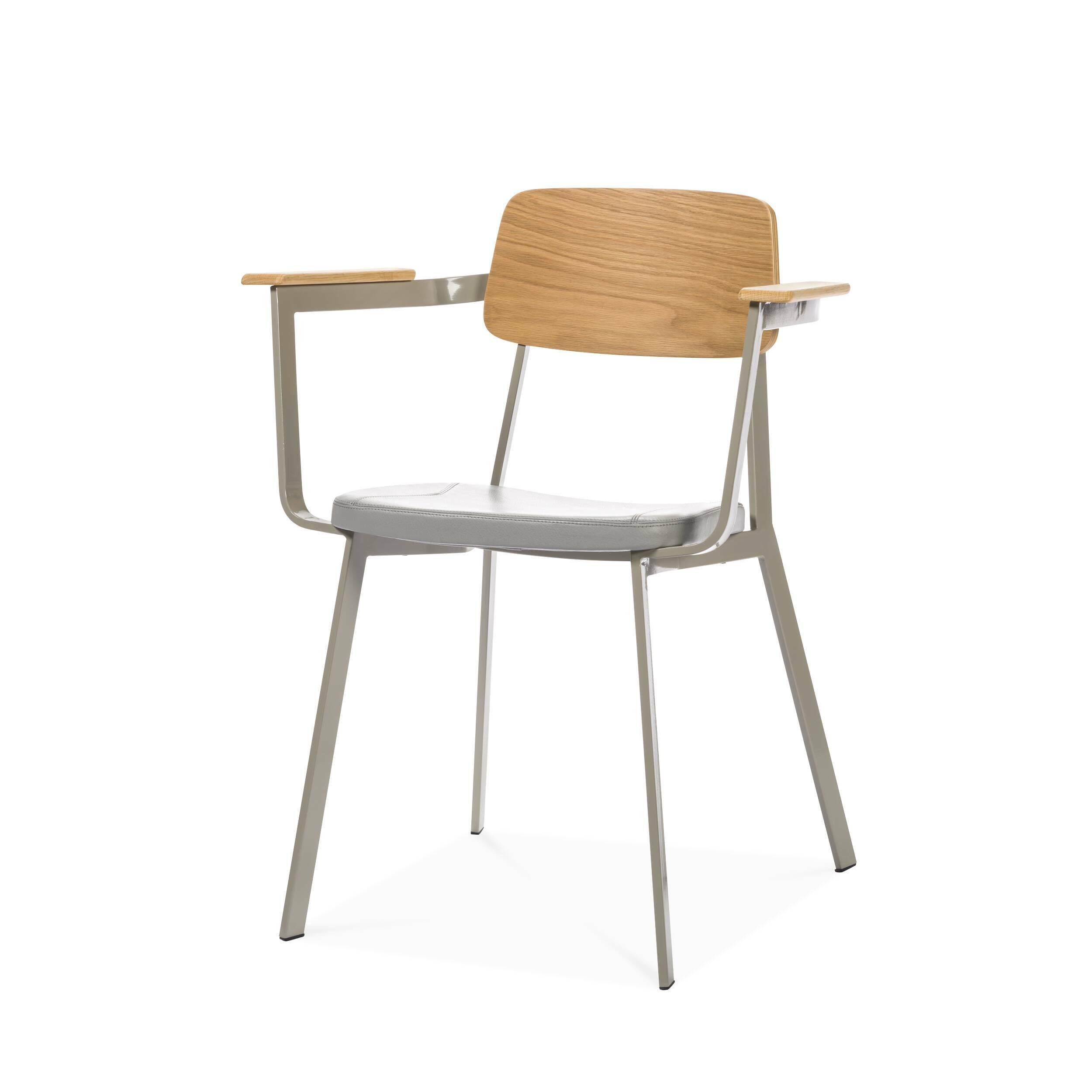 Стул SprintИнтерьерные<br>Дизайнерское интерьерный легкий стул Sprint (Спринт) на длинных металлических ножках от Cosmo (Космо).<br><br><br> Отправляясь в Италию на каникулы, обязательно прокатитесь по узким улочкам Рима или Флоренции на скутере — классической модели Vespa Sprint, быстрой, маневренной и лаконичной в своем дизайне. Вот уже больше полувека — это любимое транспортное средство местных жителей. Возможно, именно вдохновившись формой и функциональностью итальянского скутера, Шон Дикс воплотил их в таком повседн...<br><br>stock: 9<br>Высота: 75<br>Высота сиденья: 46<br>Ширина: 62<br>Глубина: 50<br>Цвет ножек: Светло-серый<br>Материал каркаса: Фанера, шпон дуба<br>Тип материала каркаса: Фанера<br>Цвет сидения: Темно-серый<br>Тип материала сидения: Кожа<br>Коллекция ткани: Harry Leather<br>Тип материала ножек: Сталь<br>Цвет каркаса: Дуб