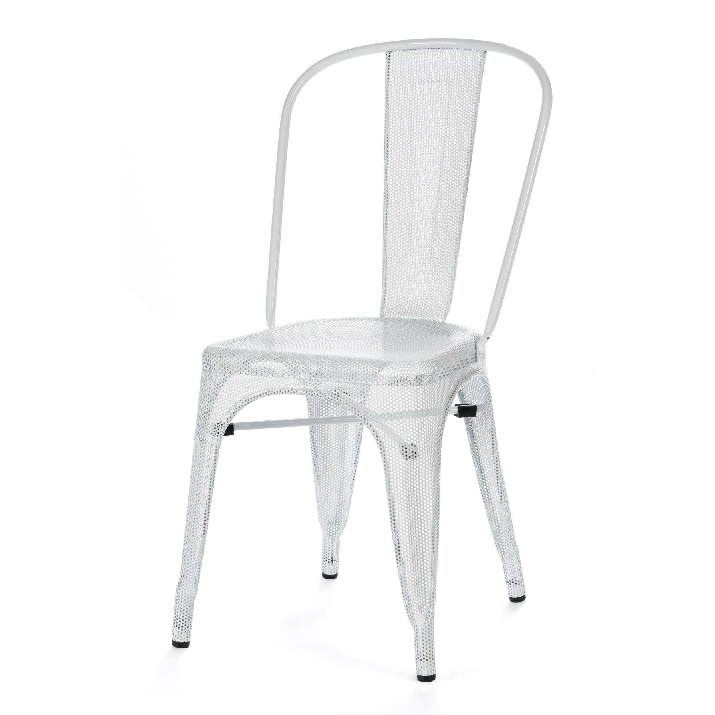 Стул Marais MeshИнтерьерные<br>Дизайнерский однотонный металлический стул Marais Mesh (Мэрейс Мэш) без подлокотников от Cosmo (Космо).<br><br>     Изящество стали. Создается ощущение, словно стул Marais Mesh одет в легкие, невесомые одеяния, отдаленно напоминающие восточные мотивы. И трудно поверить, что он относится к характерным представителям индустриального стиля.<br><br><br>     Такой стул будет хорошо себя чувствовать в любой обстановке. Ведь он выполнен по эскизам известного французского дизайнера Ксавье Пошара, изделия котор...<br><br>stock: 2<br>Высота: 85<br>Высота сиденья: 45<br>Ширина: 46<br>Глубина: 51<br>Тип материала каркаса: Сталь<br>Цвет каркаса: Белый
